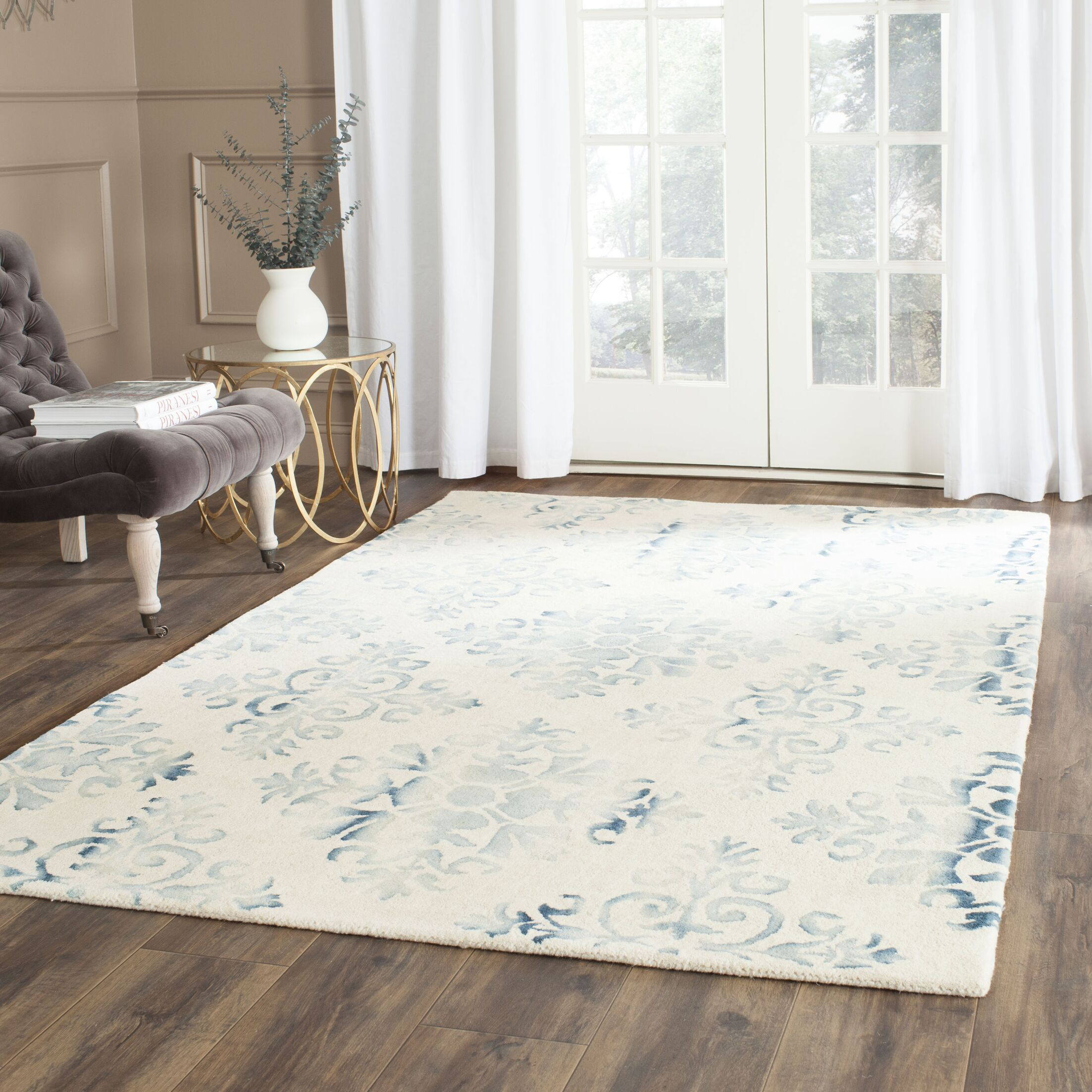 Carter Hand-Tufted Ivory/Light Blue Area Rug Rug Size: Rectangle 3' x 5'