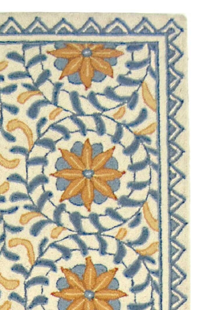 Helena Floral Handmade Wool Ivory/Blue Area Rug Rug Size: Runner 2'6