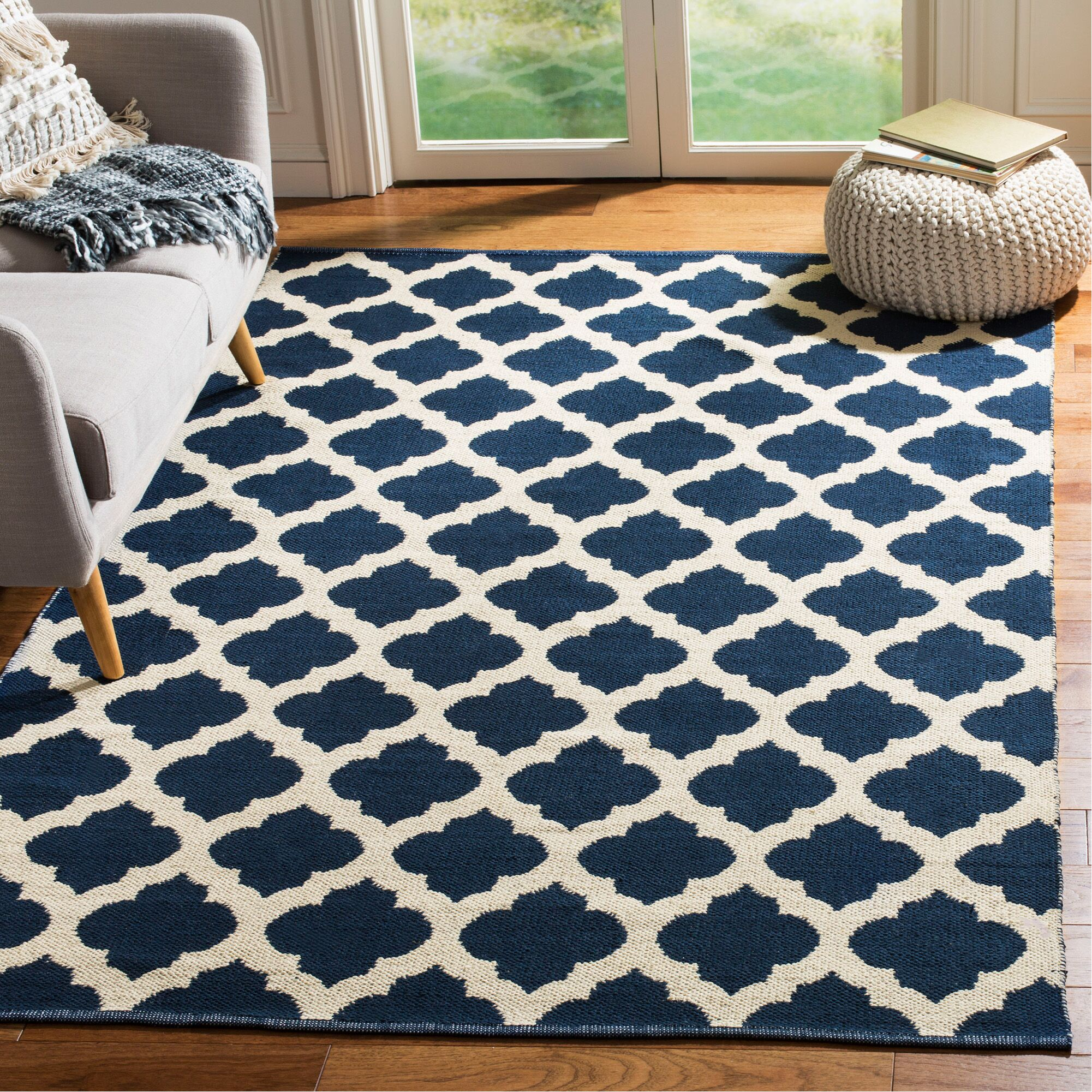 Willow Hand-Woven Navy/Ivory Area Rug Rug Size: Rectangle 5' x 8'