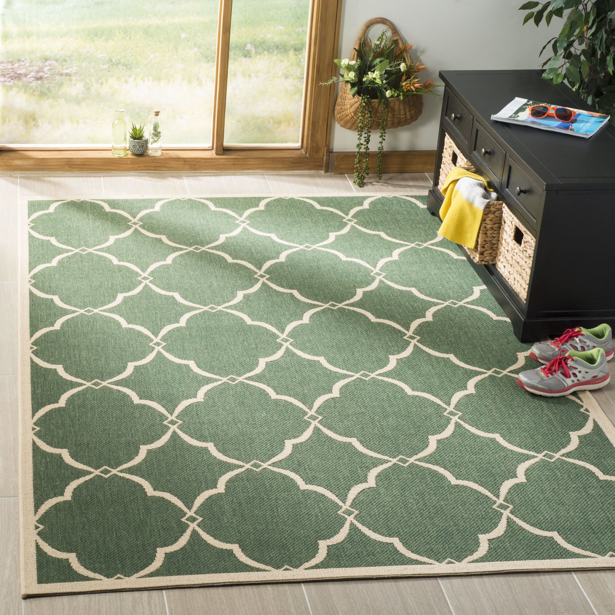Huth Green/Cream Area Rug Rug Size: Rectangle 5'1