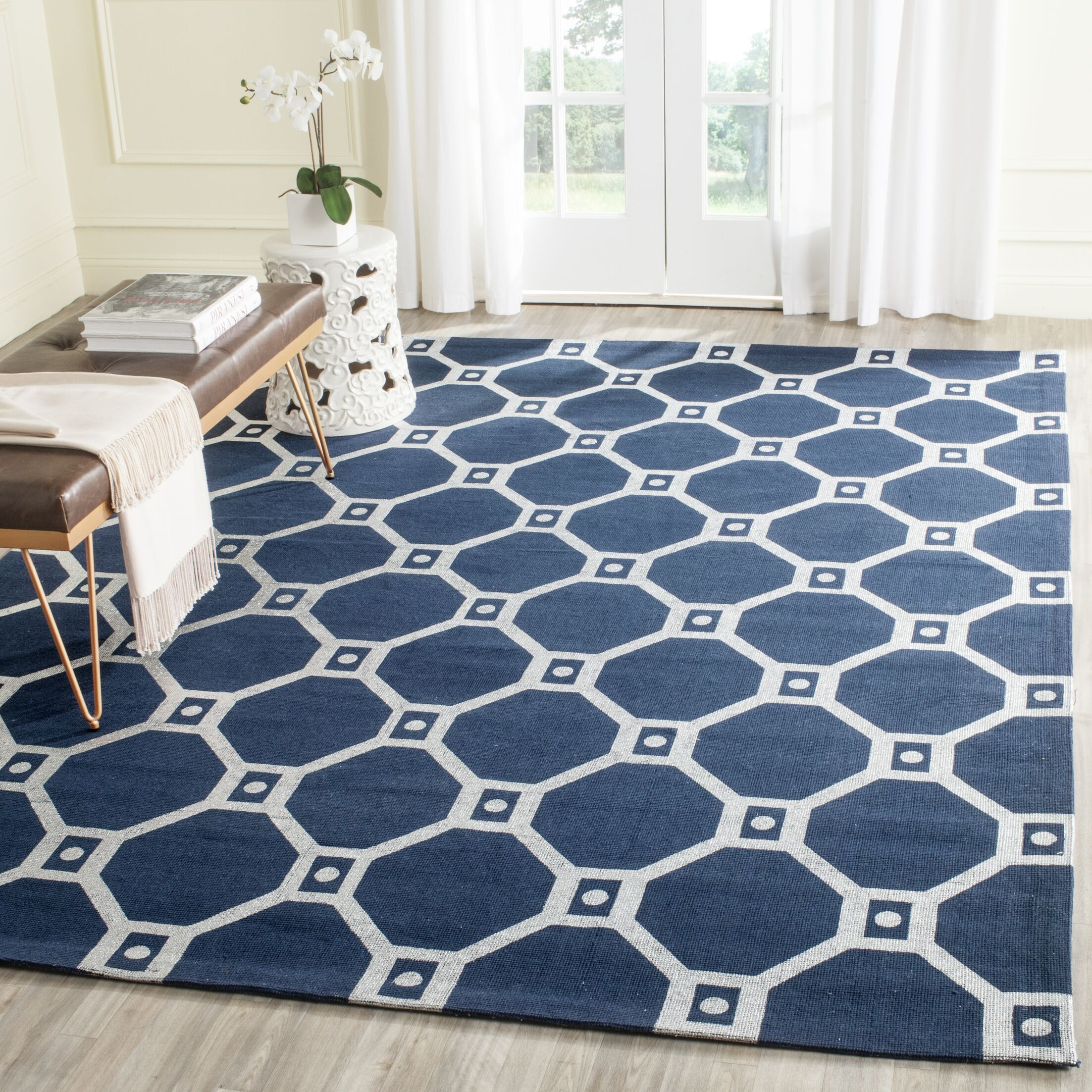 Columbus Circle Hand-Loomed Navy/Silver Area Rug Rug Size: Rectangle 7'3