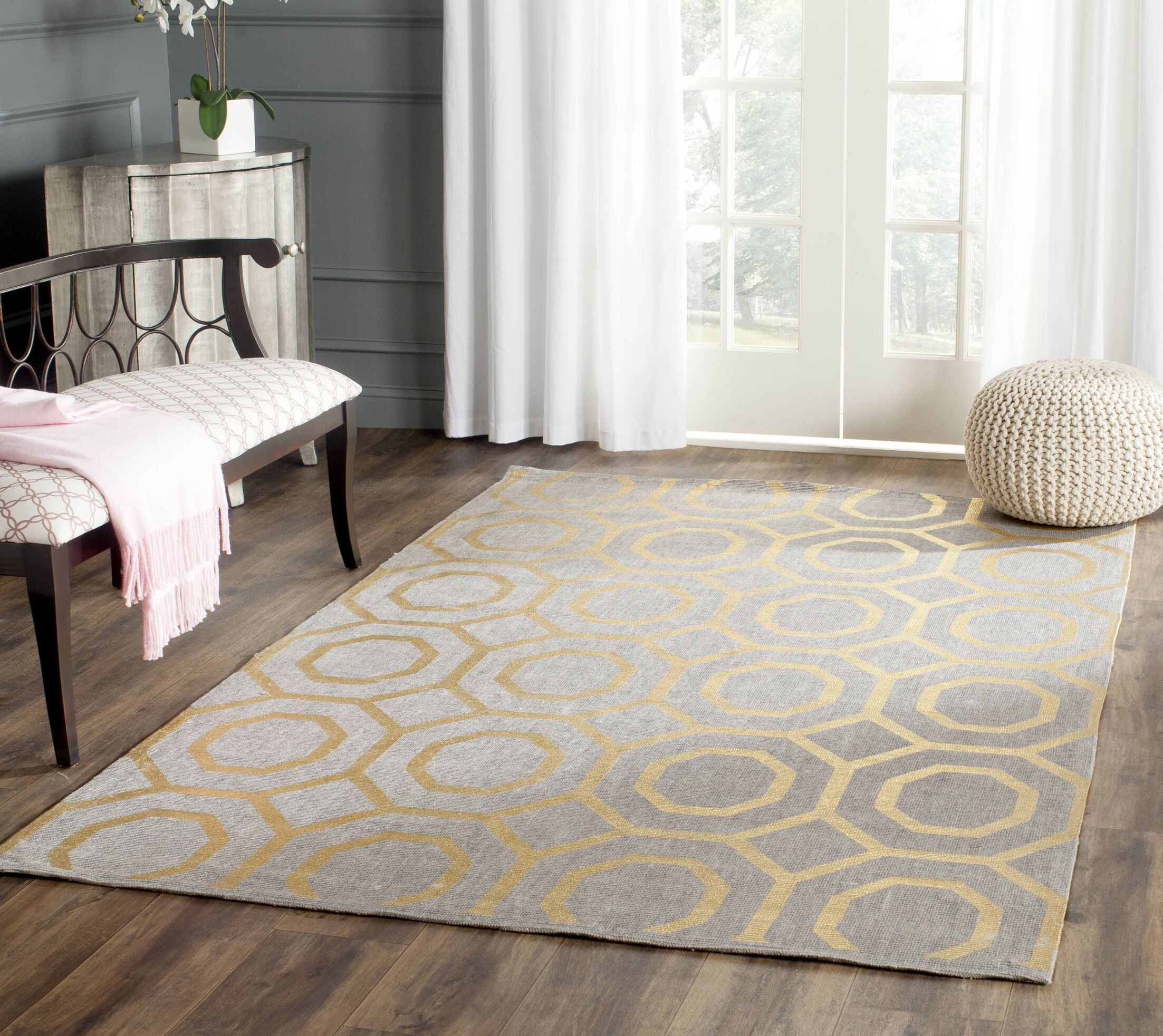 Columbus Circle Hand-Woven Brown/Ivory Area Rug Rug Size: Round 6'