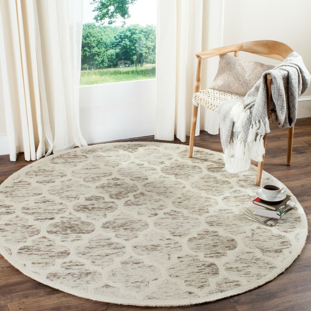 Short Hand-Loomed Light Brown/Ivory Area Rug Rug Size: Rectangle 4' x 6'