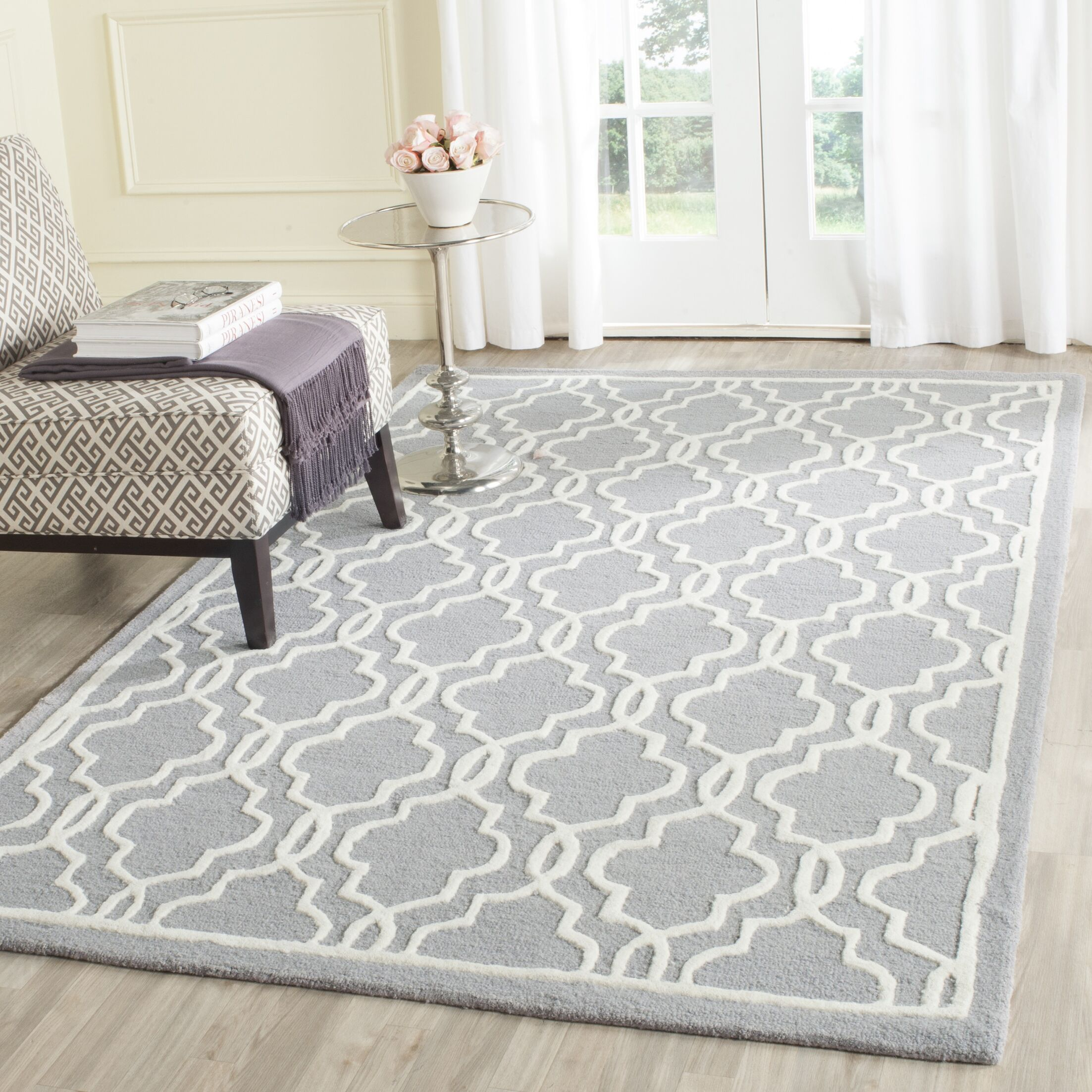 Martins Hand-Tufted Wool Silver/Ivory Area Rug Rug Size: Rectangle 6' x 9'