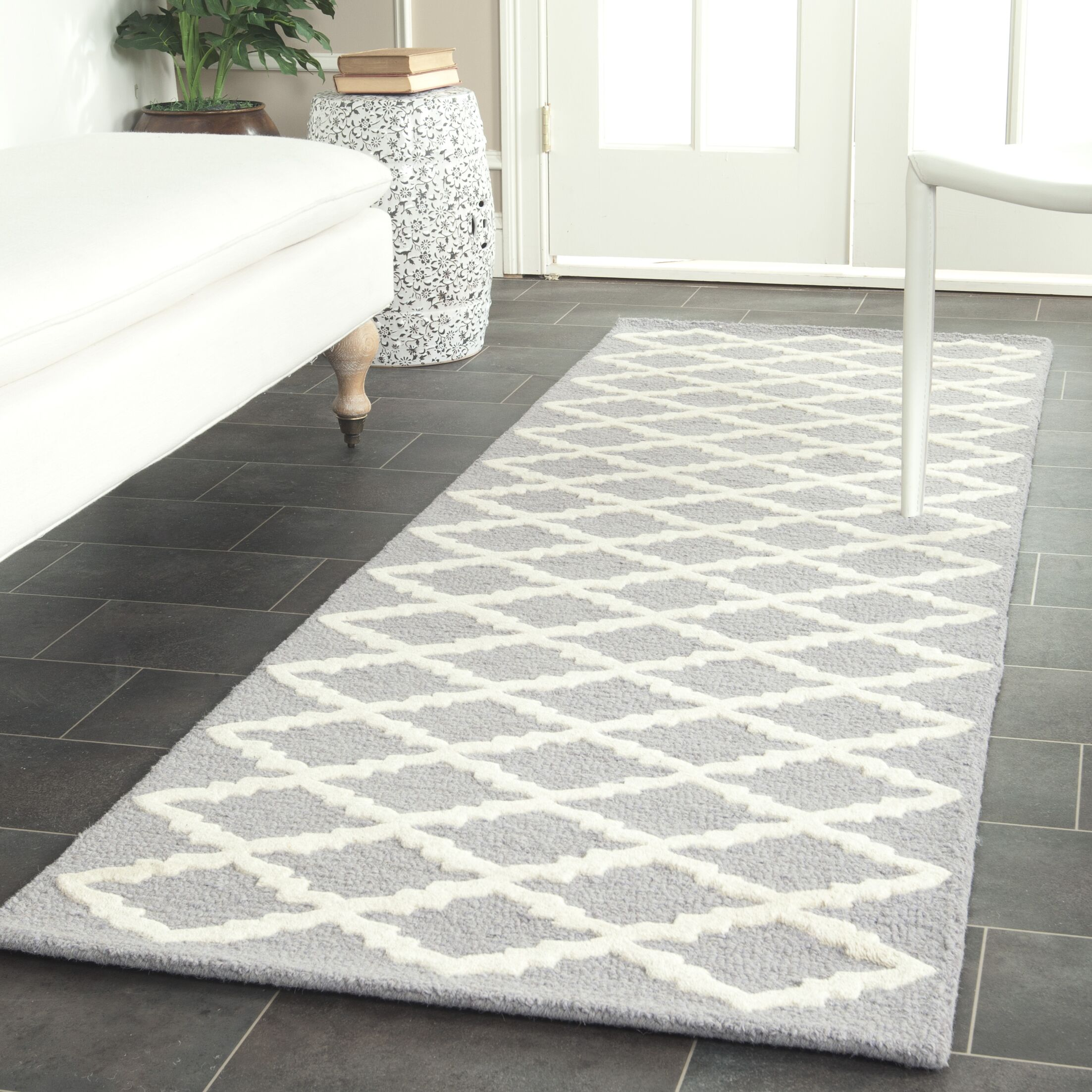 Charlenne Hand-Tufted Wool Silver/Ivory Area Rug Rug Size: Runner 2'6