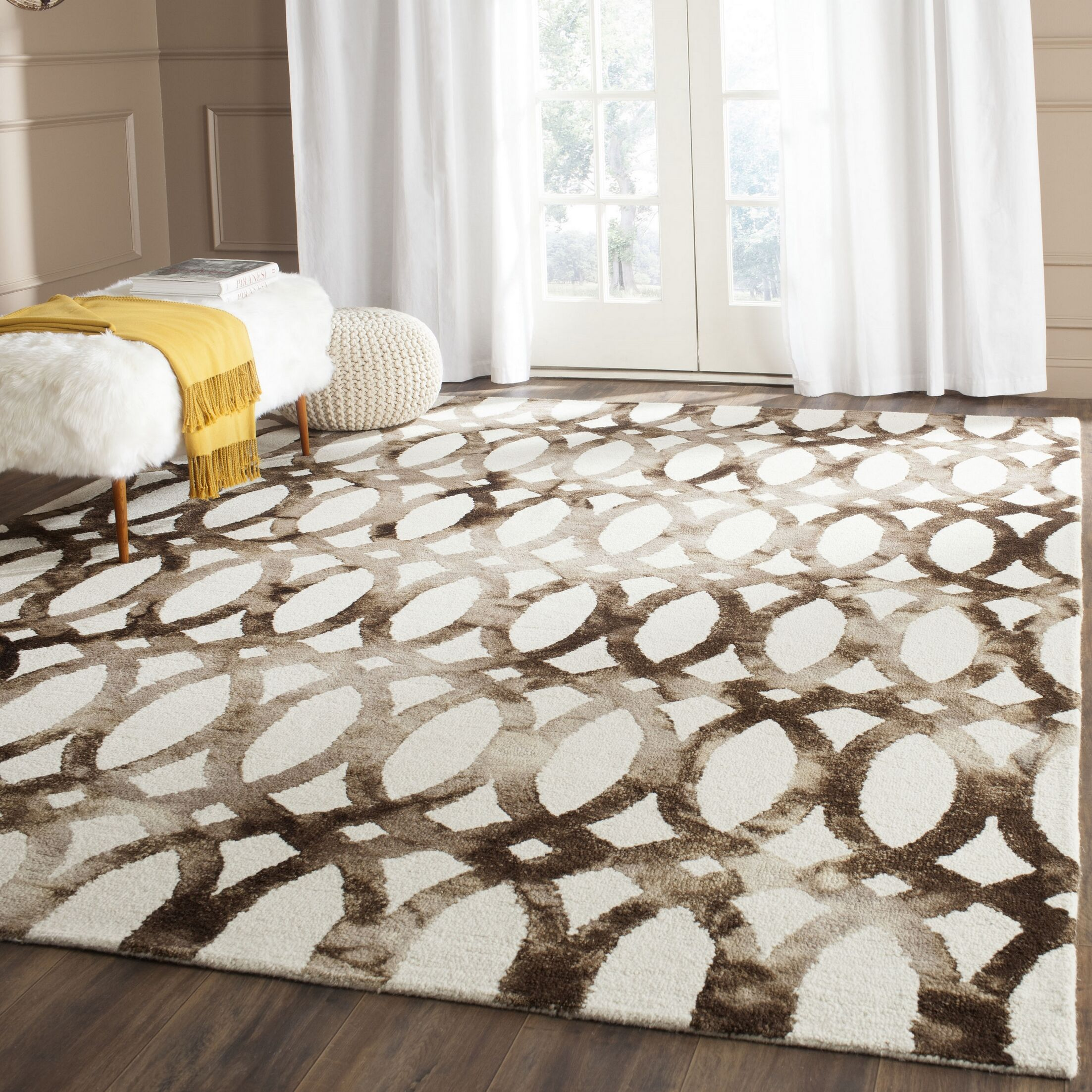 Edie Ivory/Cacao Area Rug Rug Size: Rectangle 4' x 6'
