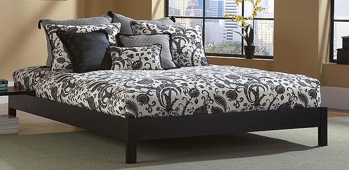 Jerrica Platform Bed Size: Full, Color: Mahogany