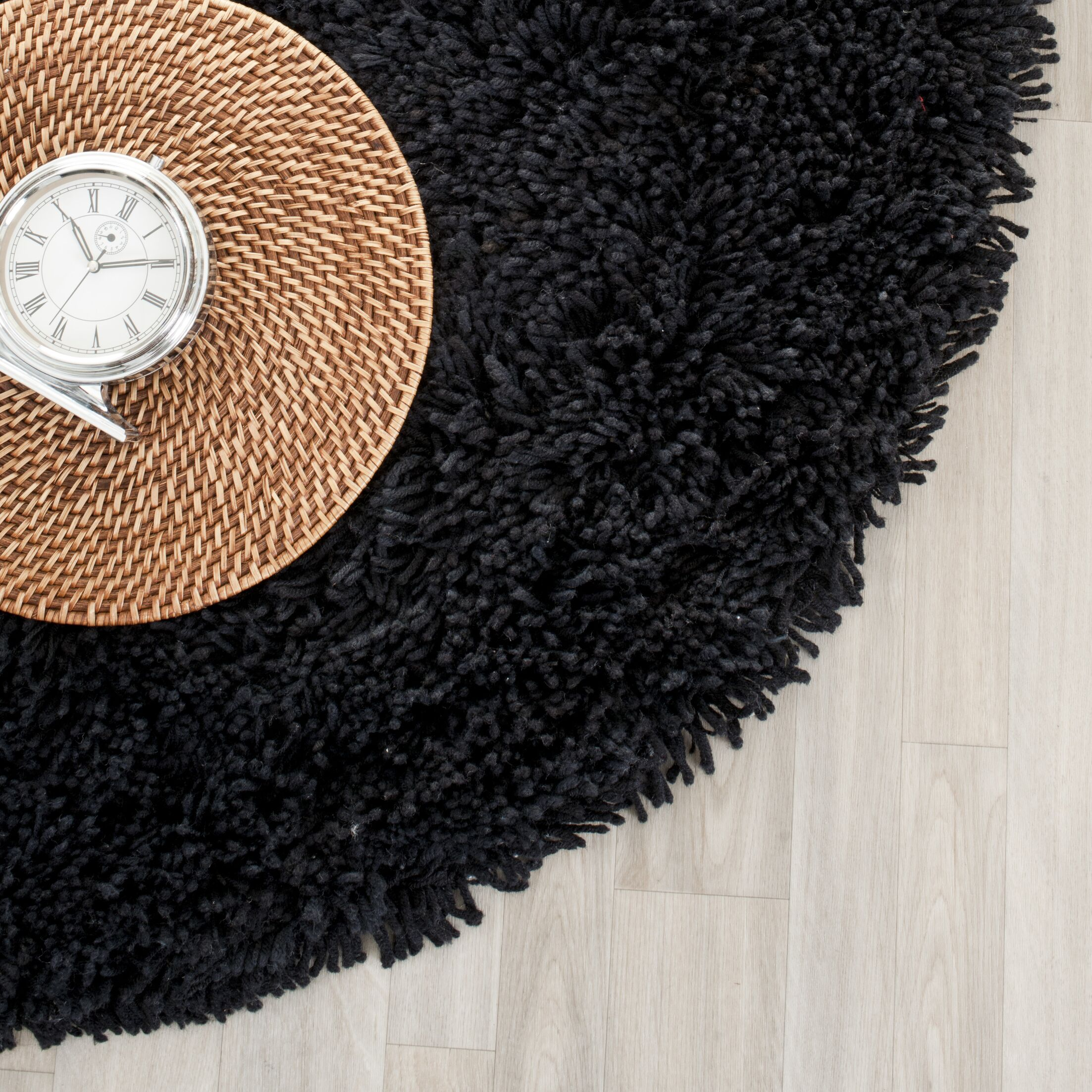 Starr Hill Solid Black Area Rug Rug Size: Round 6'