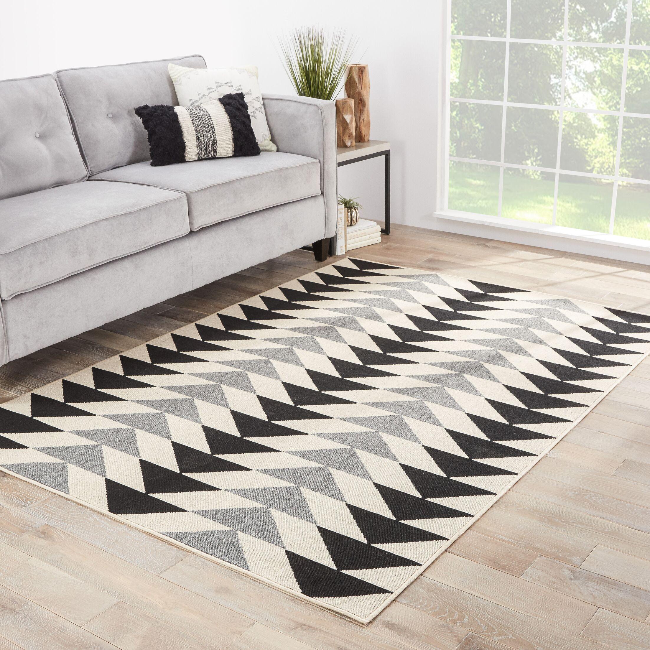 Hendrick Ivory/Black Indoor/Outdoor Area Rug Rug Size: Rectangle 2'6