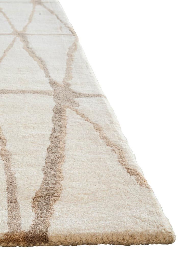 Heiss Hand-Tufted Winter White/Timber Wolf Area Rug Rug Size: Rectangle 5' x 8'