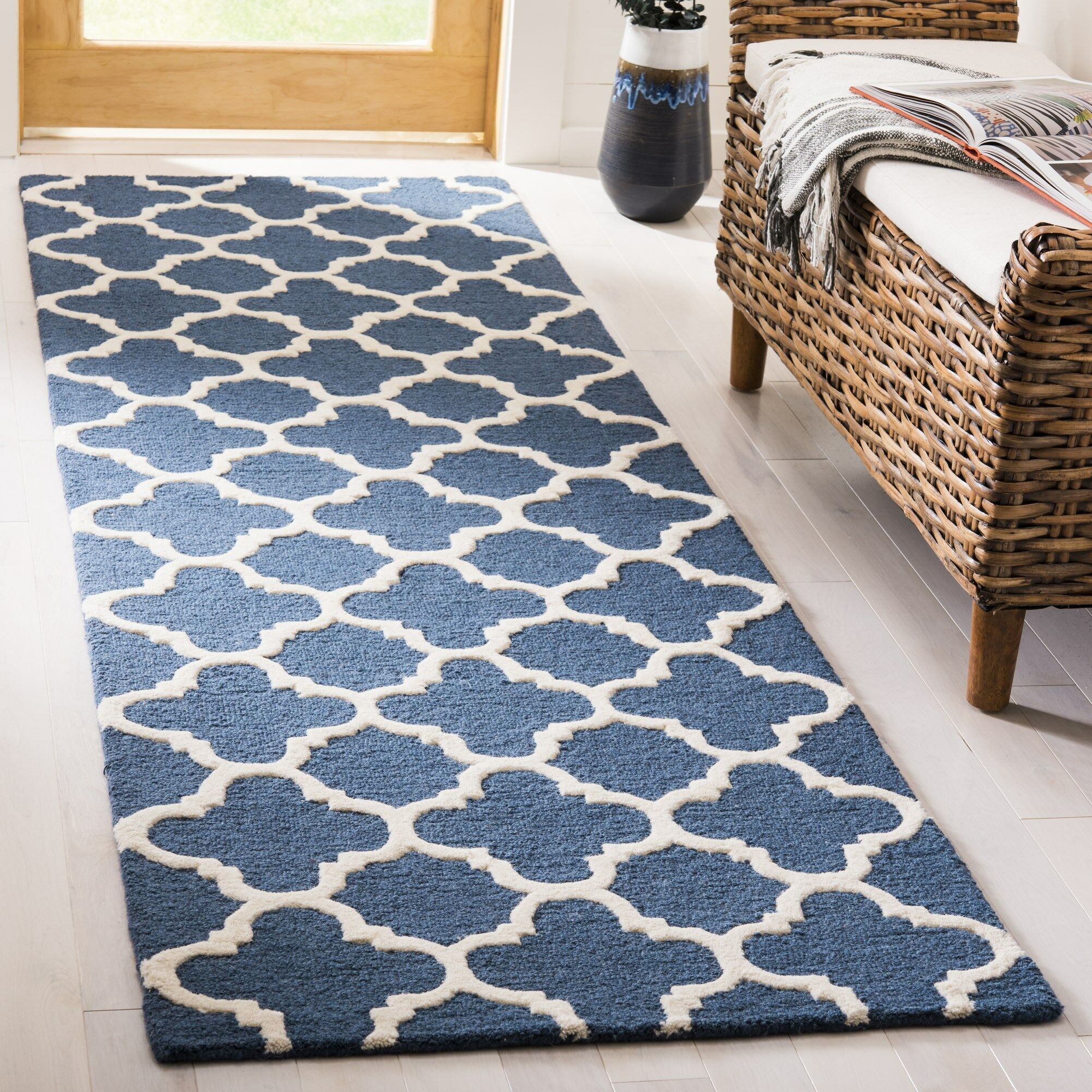 Martins Hand-Tufted Wool Blue Area Rug Rug Size: Runner 2'6