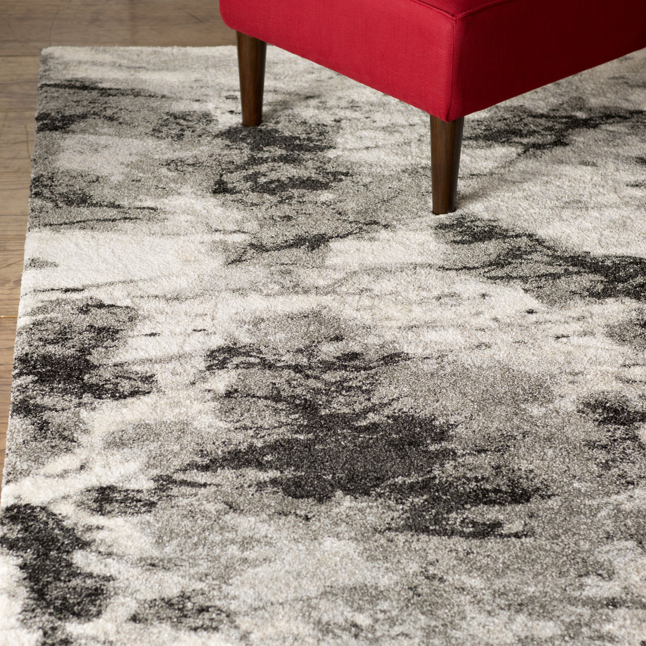 Bussiere Ivory / Gray Area Rug Rug Size: Rectangle 2'6