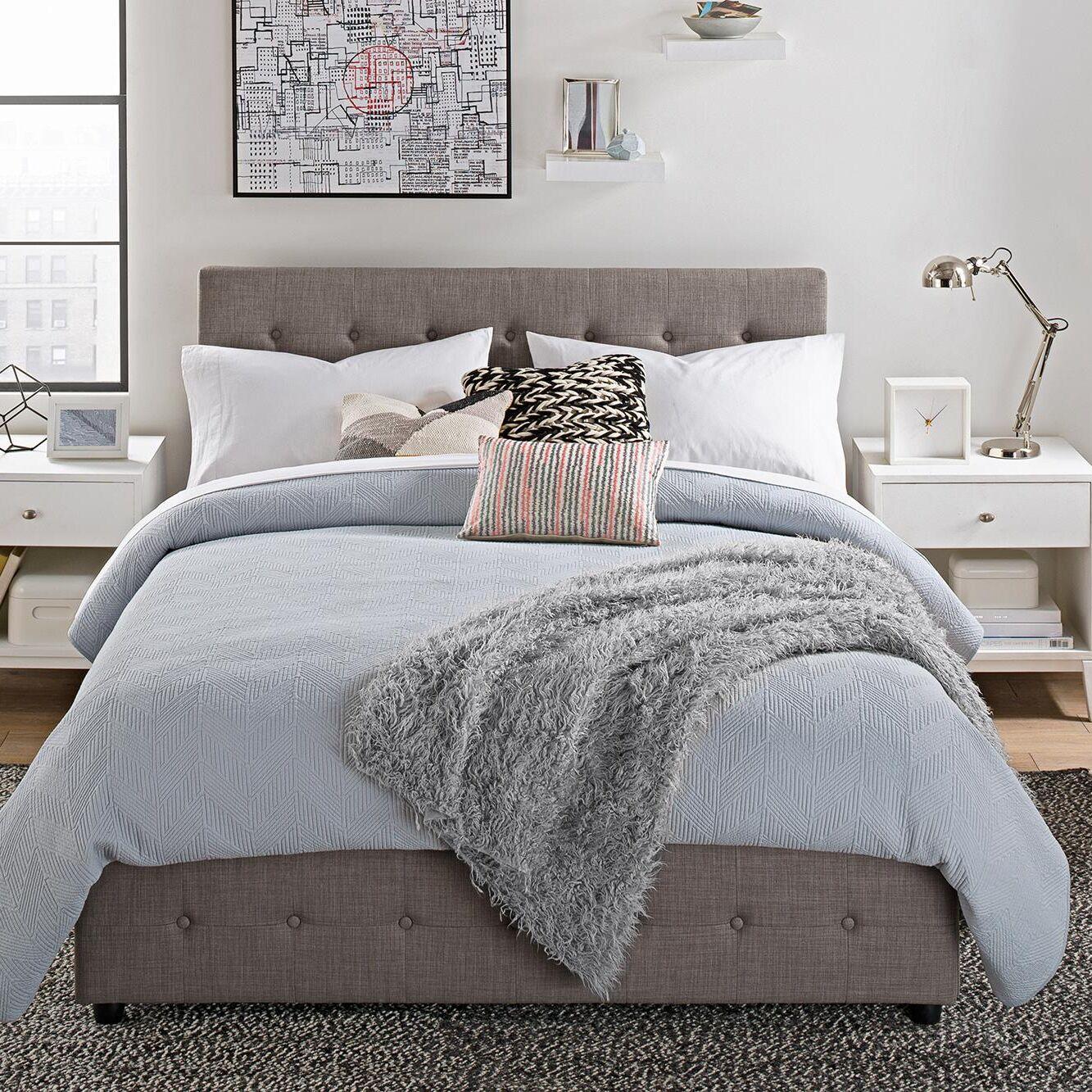 Morphis Upholstered Platform Bed Size: Queen
