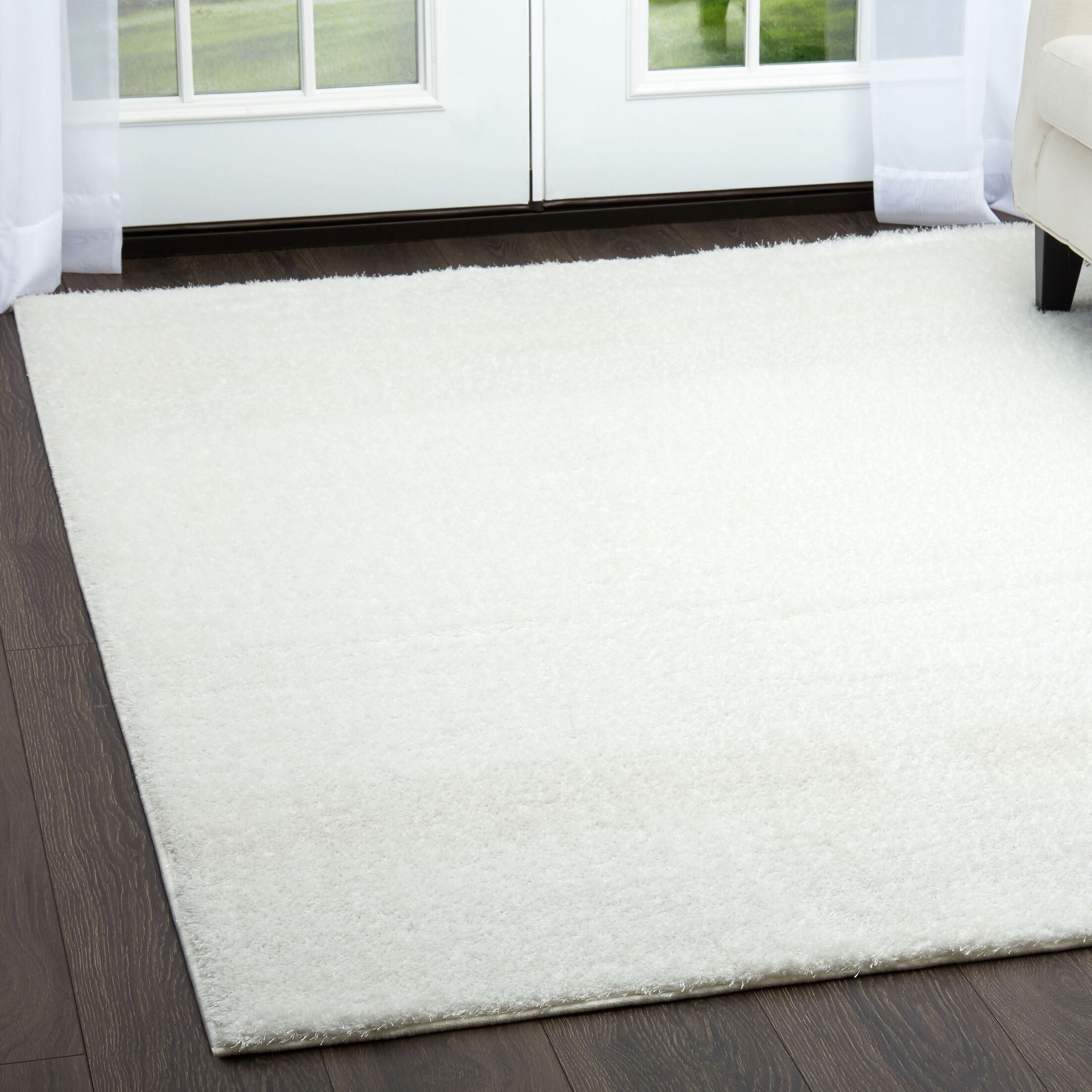 Glenpool Shimmery Shag White Area Rug Rug Size: Rectangle 5'3
