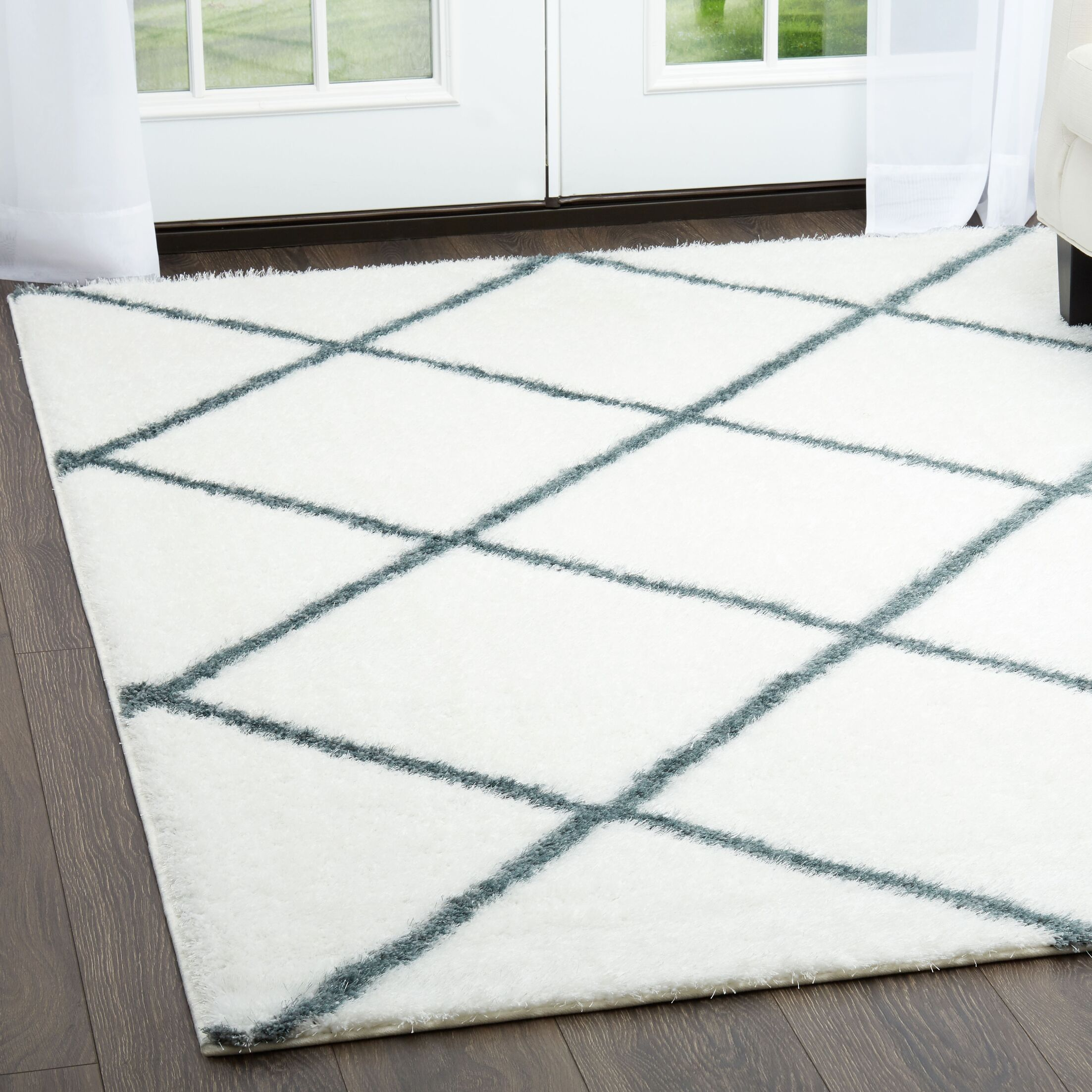 Glenpool Shimmery Shag Ivory/Blue Area Rug Rug Size: Rectangle 7'9