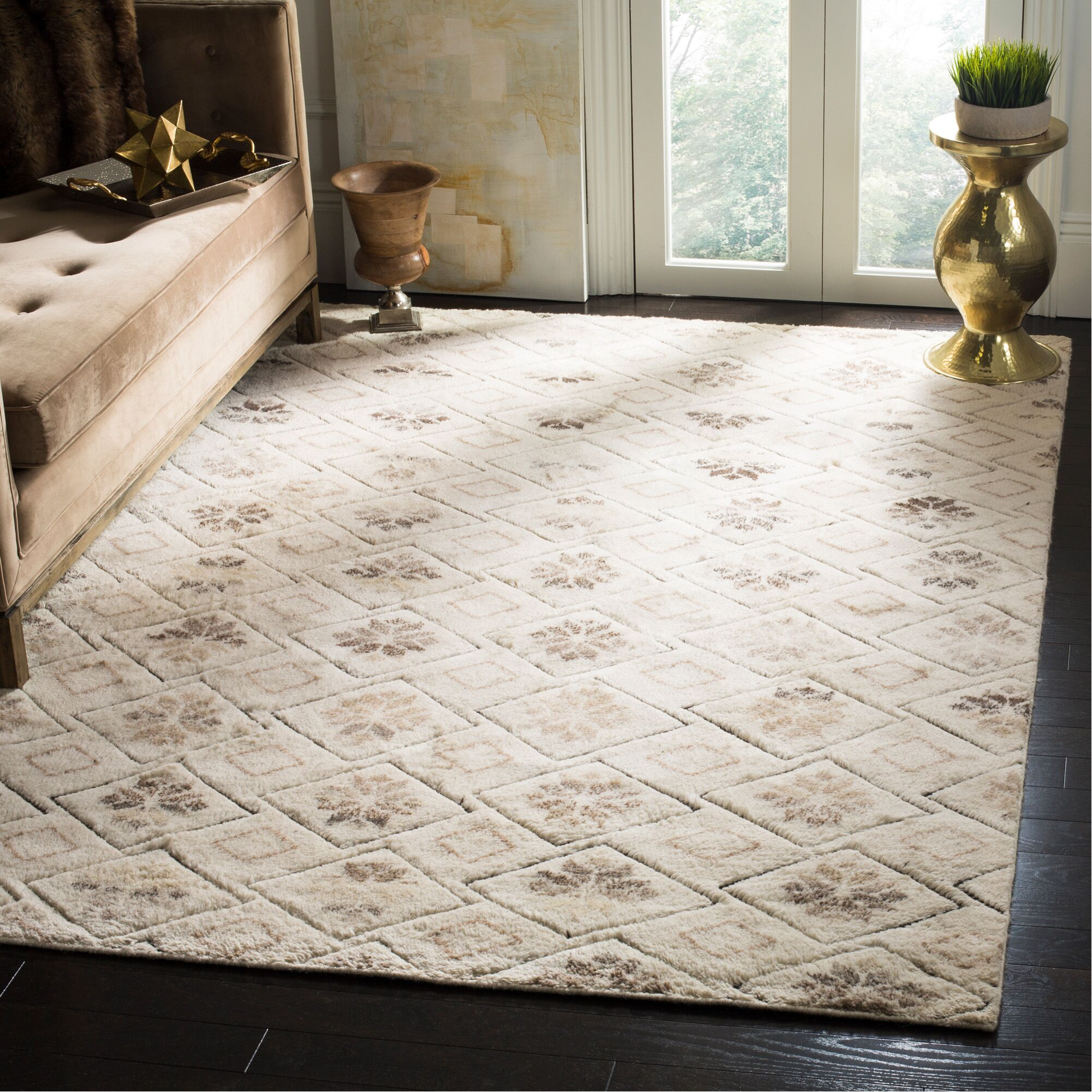 Eldert Hand-Knotted Ivory Area Rug Rug Size: Rectangle 6' x 9'