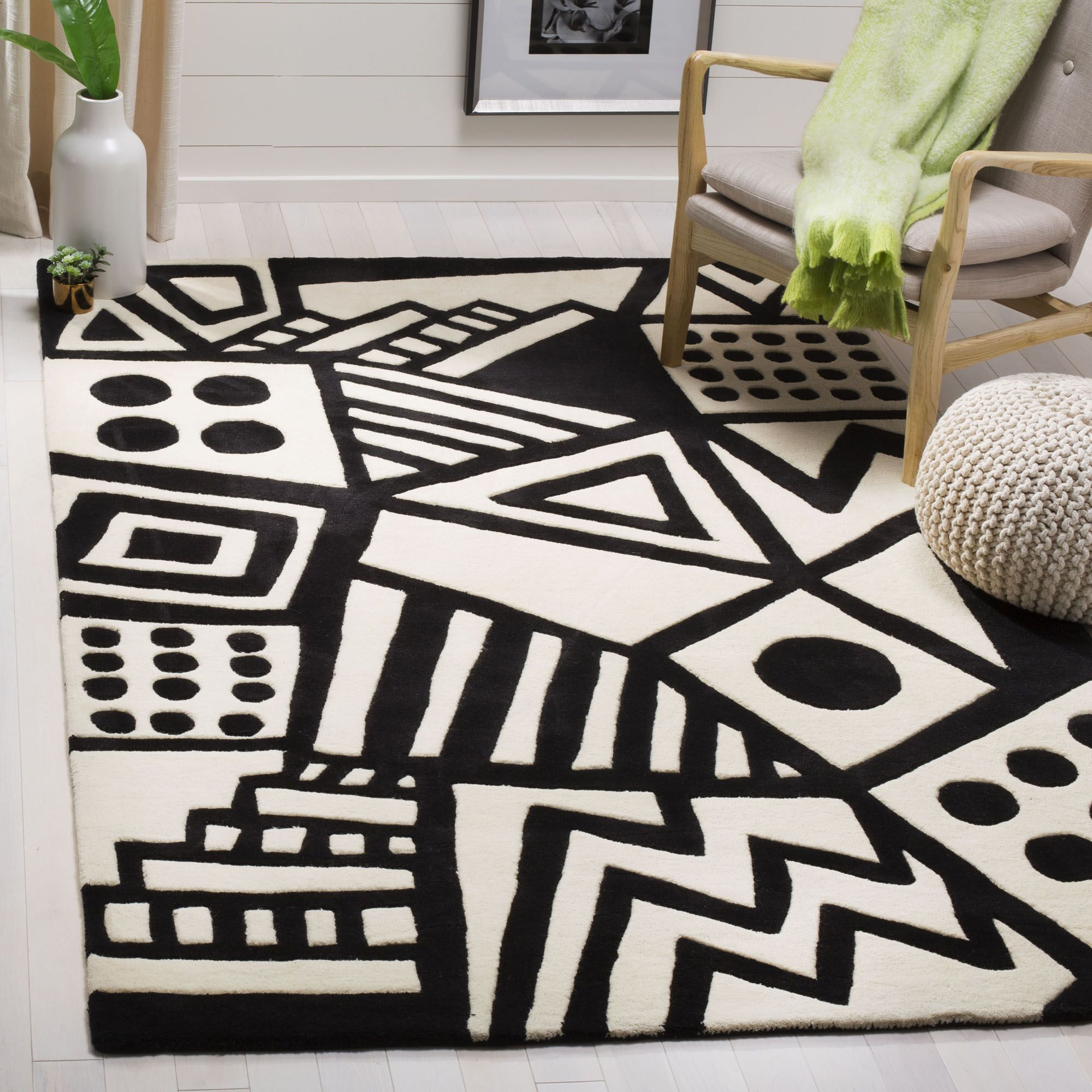 Hardin Hand Tufted Wool Ivory/Black Area Rug Rug Size: Rectangle 8' x 10'