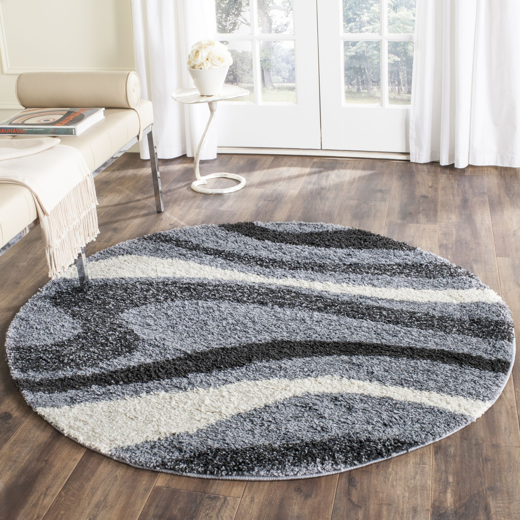 Driffield Gray/Ivory/Back Area Rug Rug Size: Round 5'