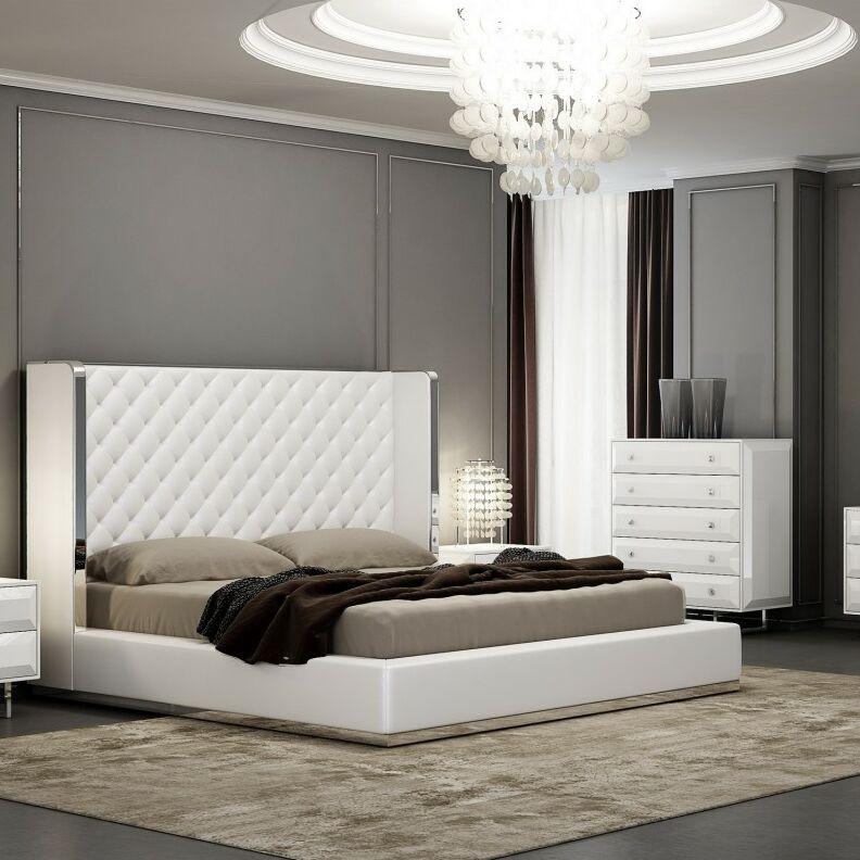 Aesara Platform Upholstered Bed Size: Queen, Color: White