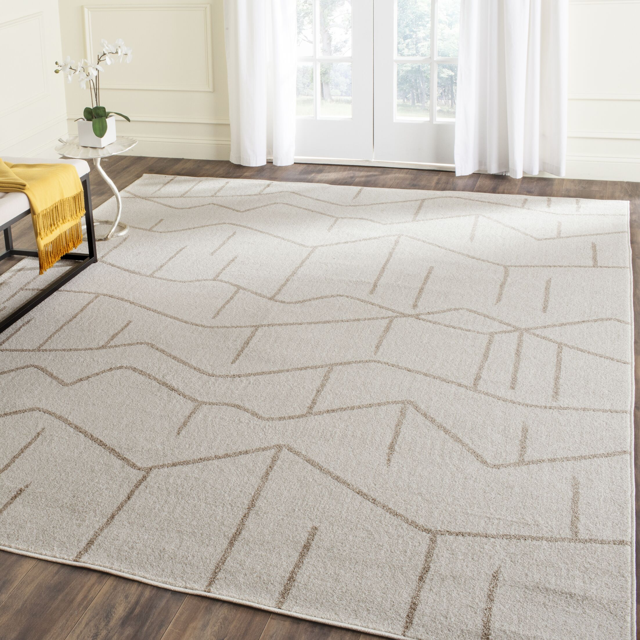 Dunclug Ivory/Grey Area Rug Rug Size: Rectangle 8' x 10'