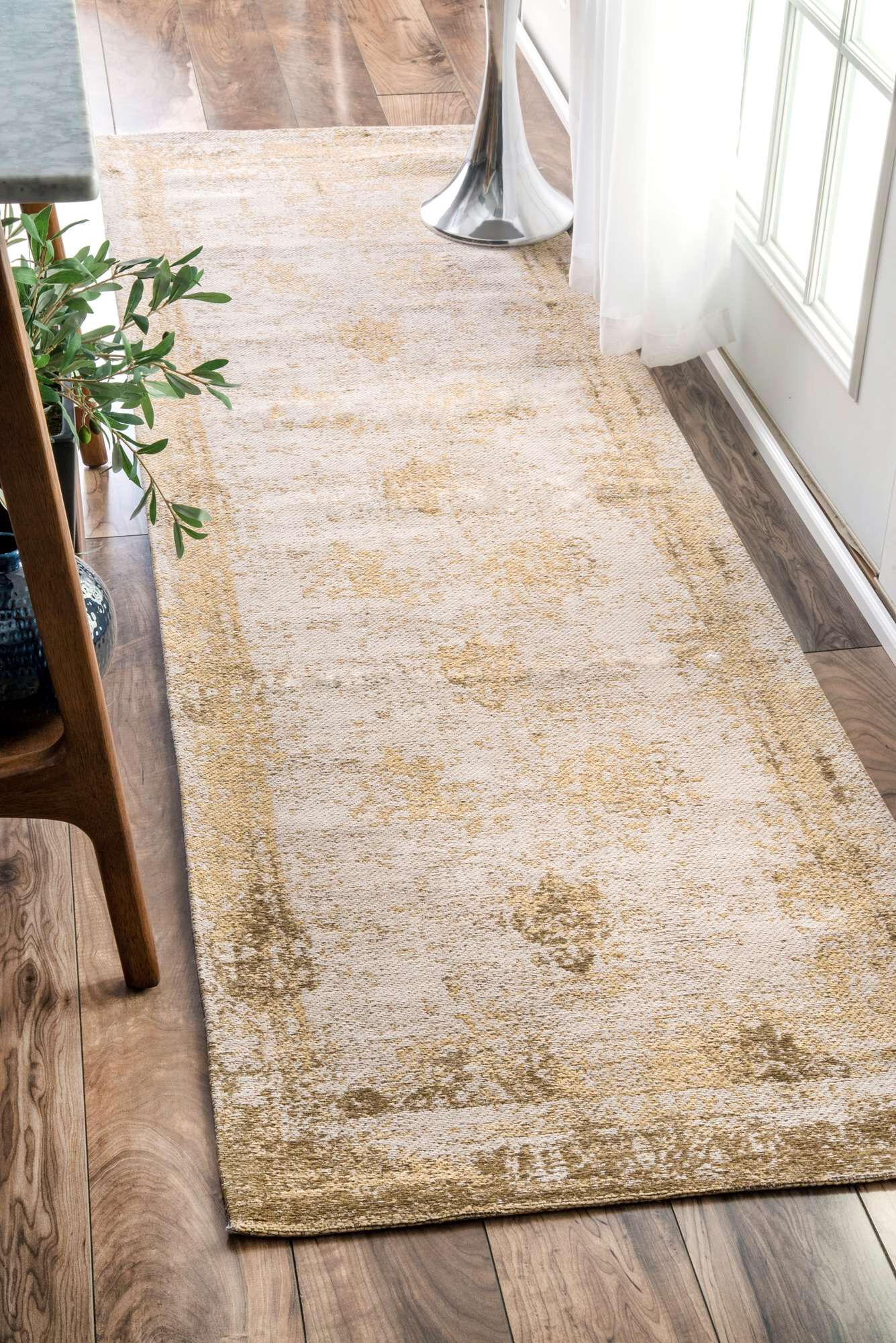 Chartres Hand-Woven Cream Area Rug Rug Size: Runner 2'6