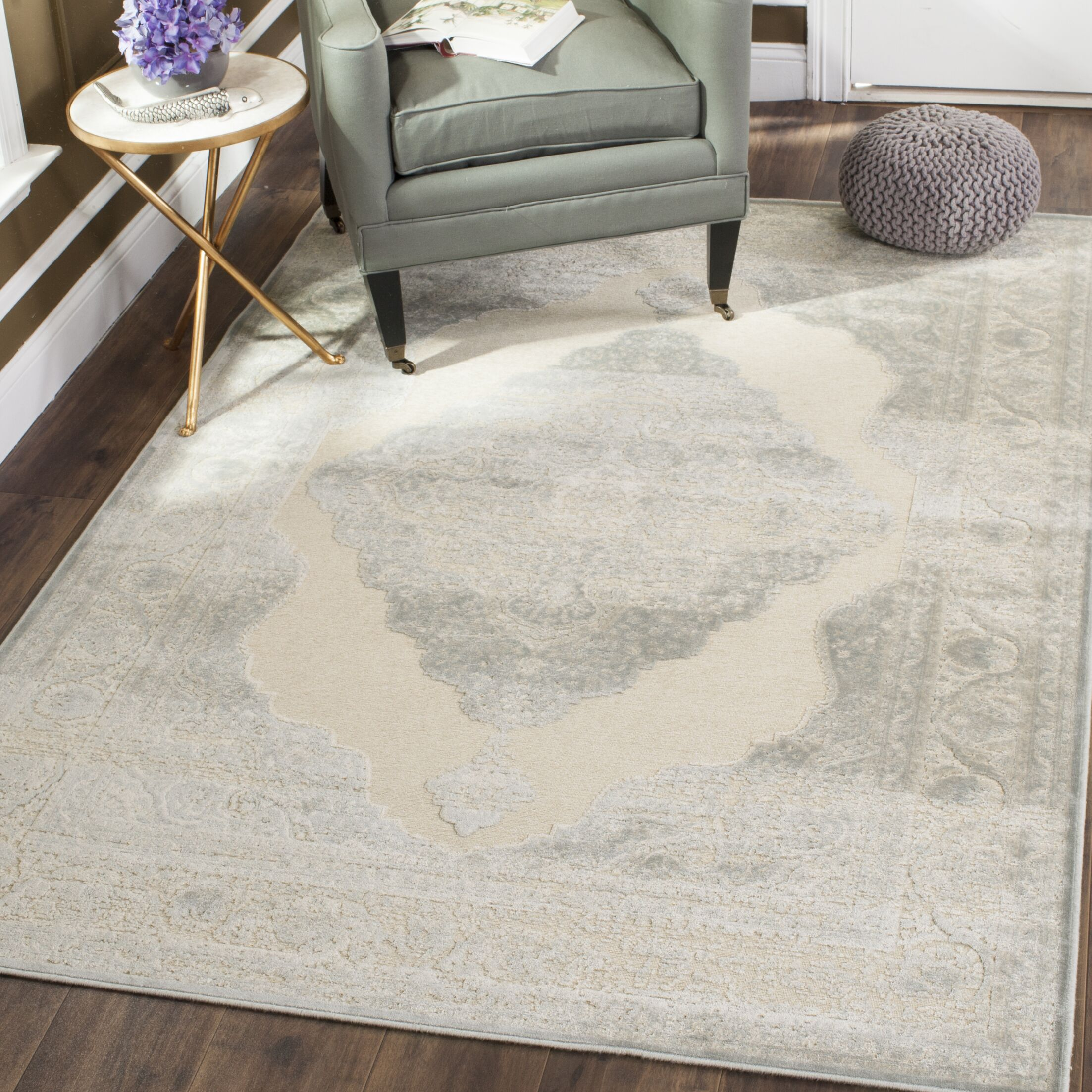 Ellicott Cream Area Rug Color: Creme, Rug Size: 4' x 5'7