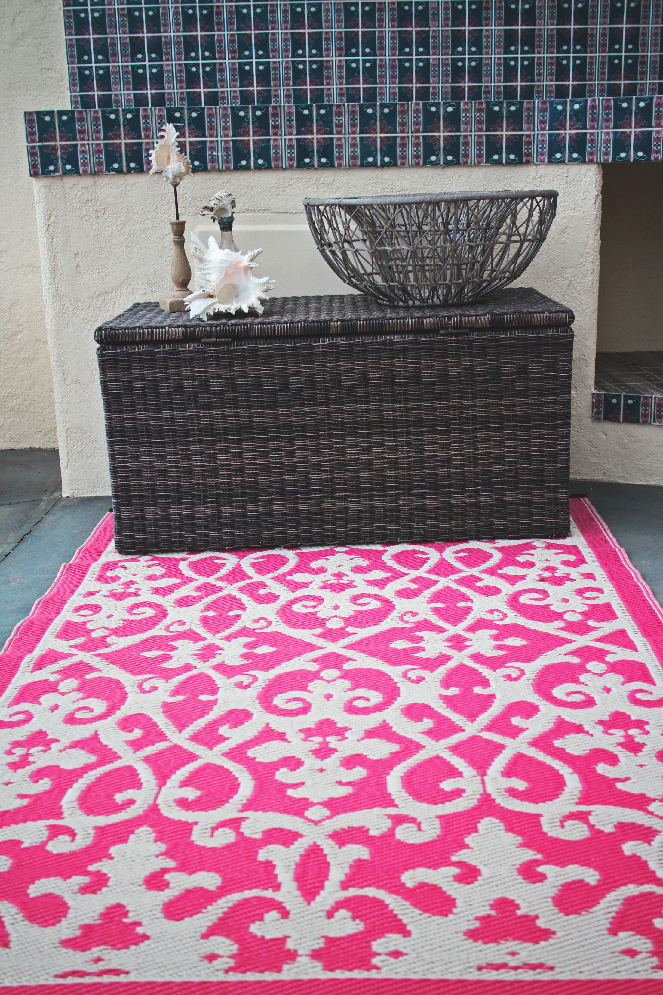 Fontayne Cream & Pink Indoor/Outdoor Area Rug Rug Size: Rectangle 4' x 6'