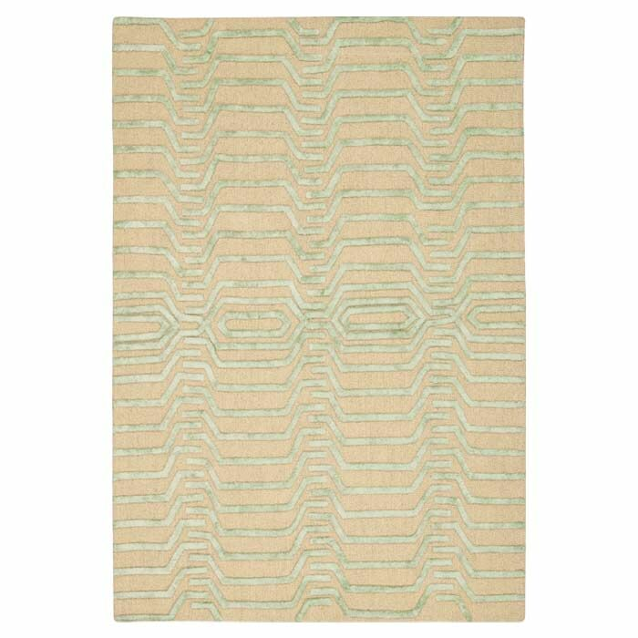 Jandreau Hand-Tufted Ivory/Green Area Rug Rug Size: Rectangle 8' x 10'