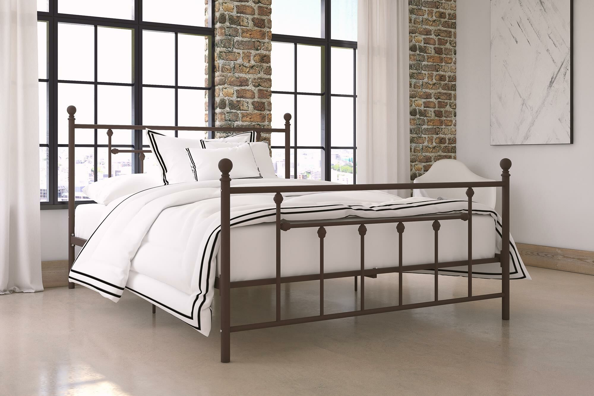 Lyster Platform Bed Size: Full, Color: Gold