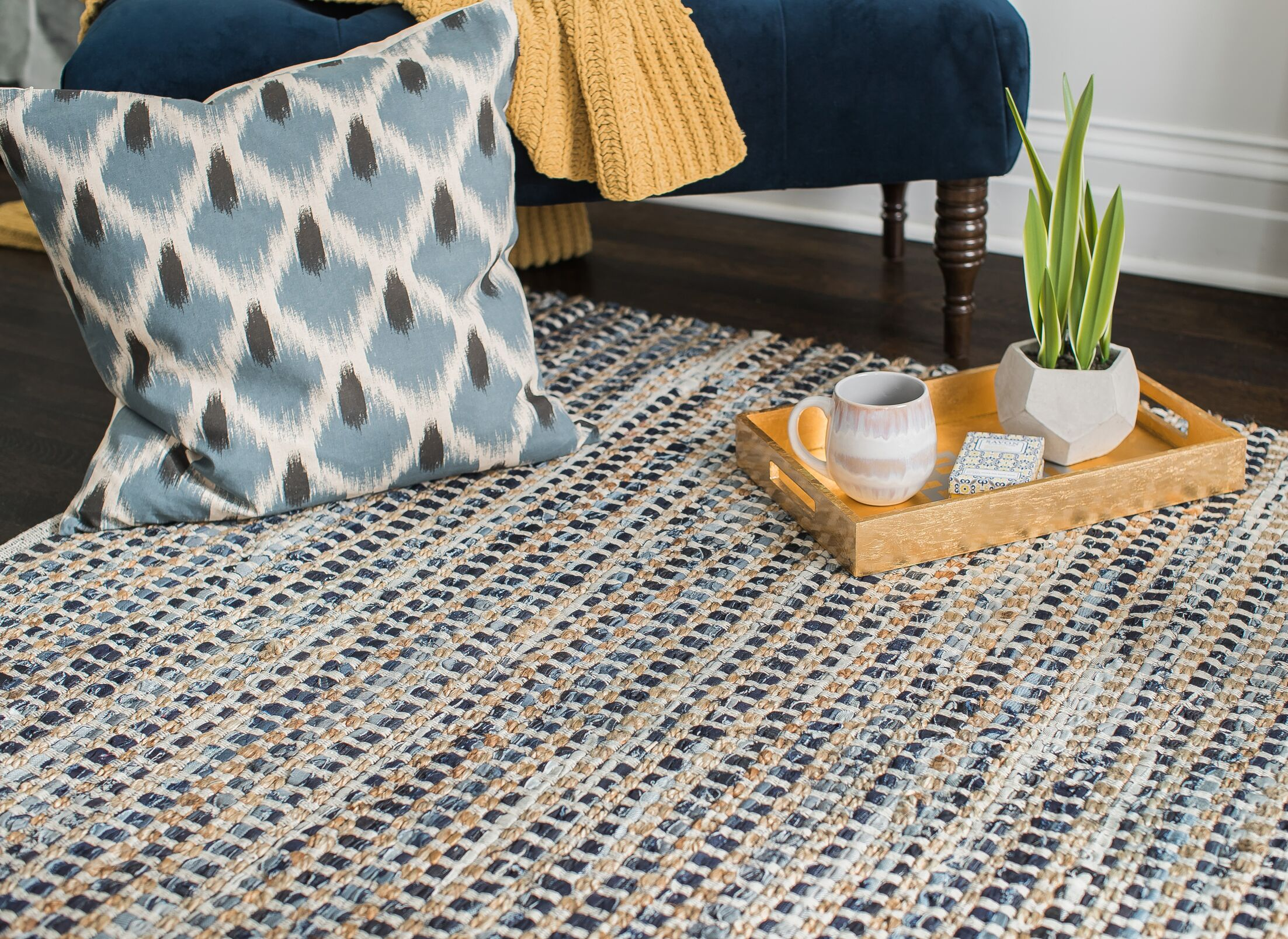 Perryville Hand-Woven Blue Area Rug Rug Size: 5' x 8'
