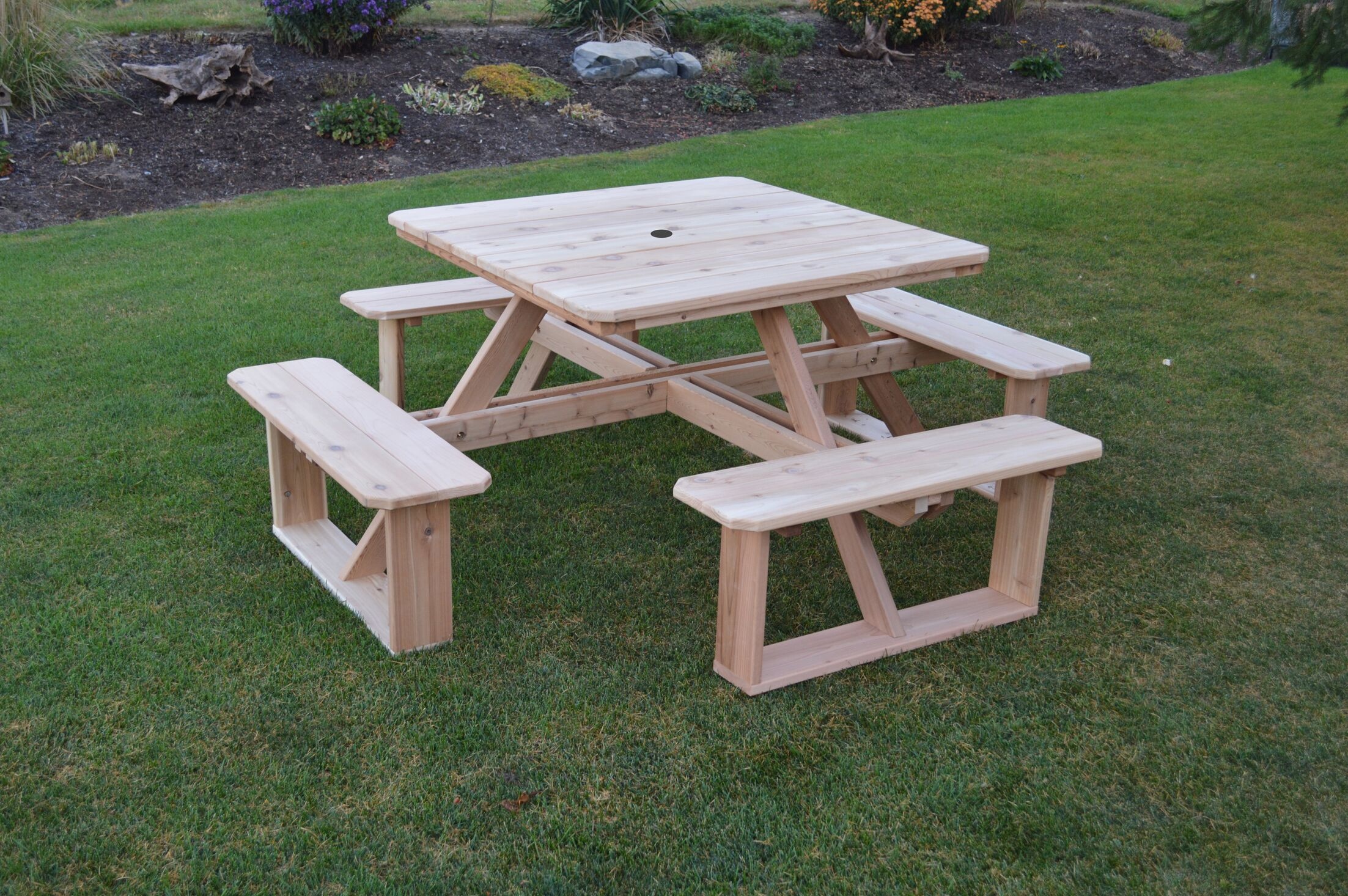 Law-Simmonds Wooden Picnic Table Color: Linden Leaf Stain