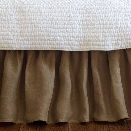Linen Voile Bed Skirt Size: Twin, Color: Tobacco