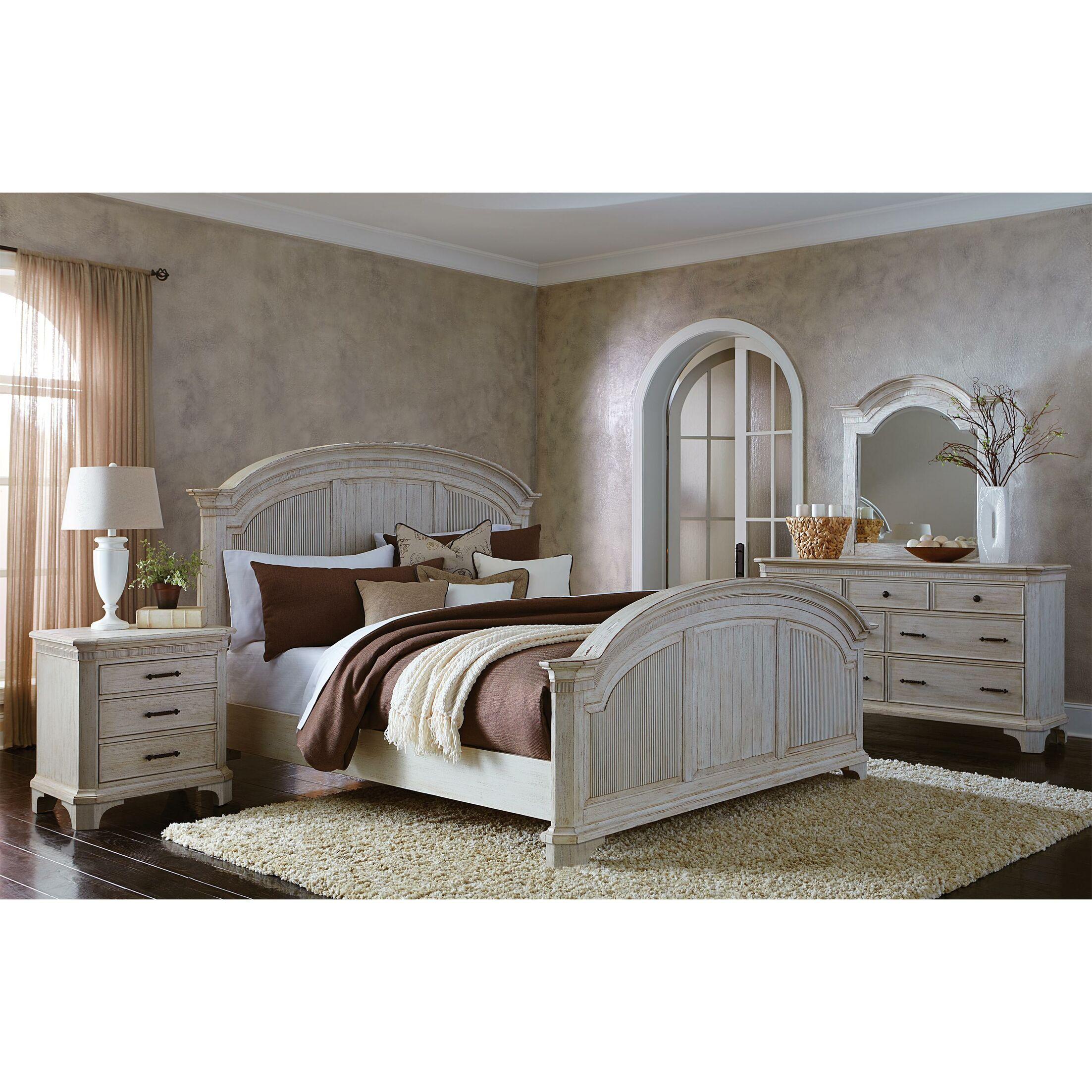 Turenne Panel Bed