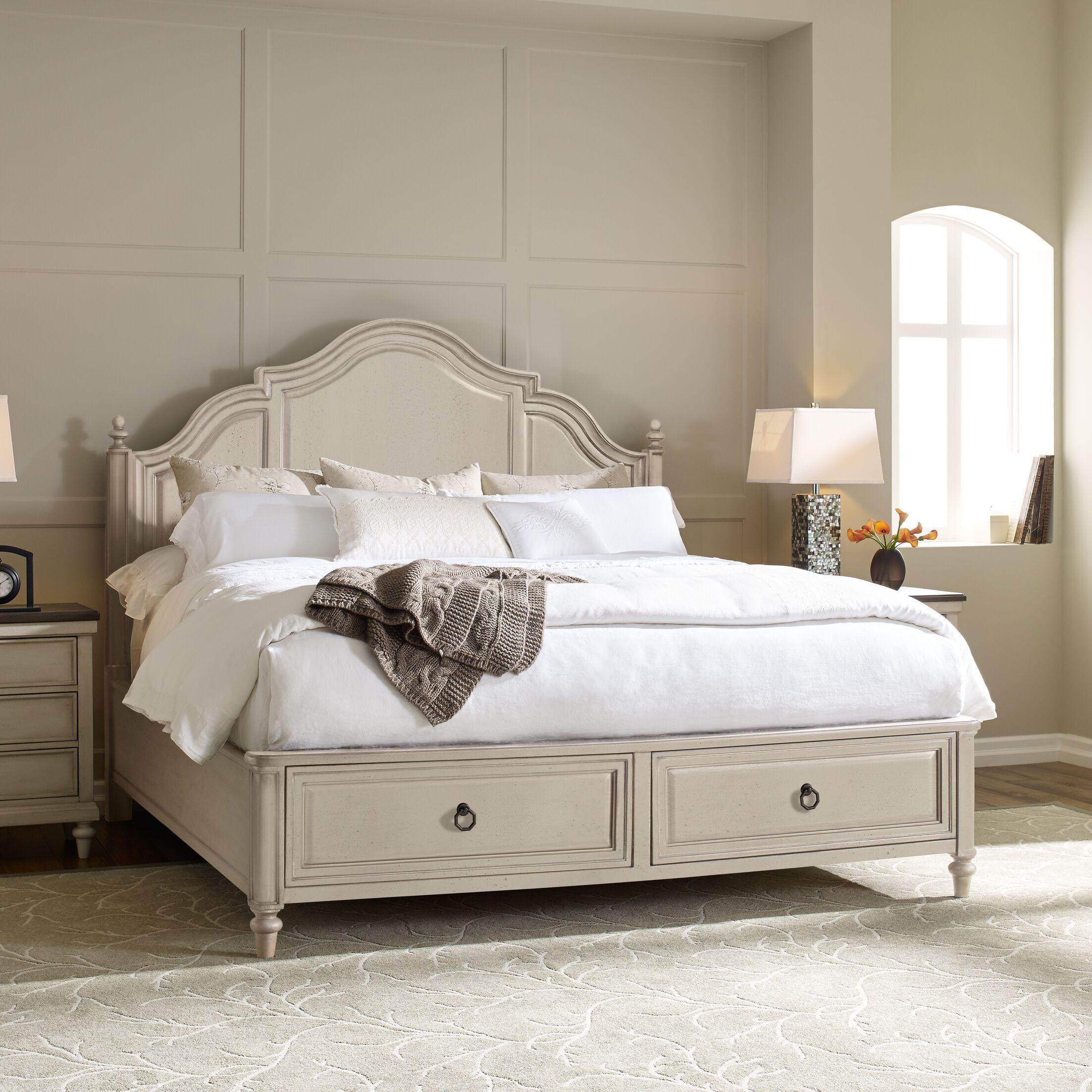 Bruyere Storage Platform Bed Size: California King, Color: Vintage Linen