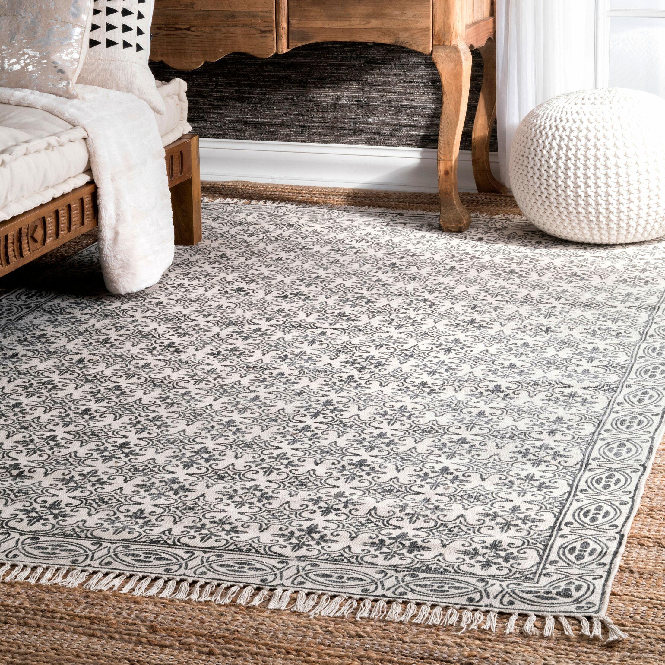 Raelyn Handmade Off White Area Rug Rug Size: 5' x 8'