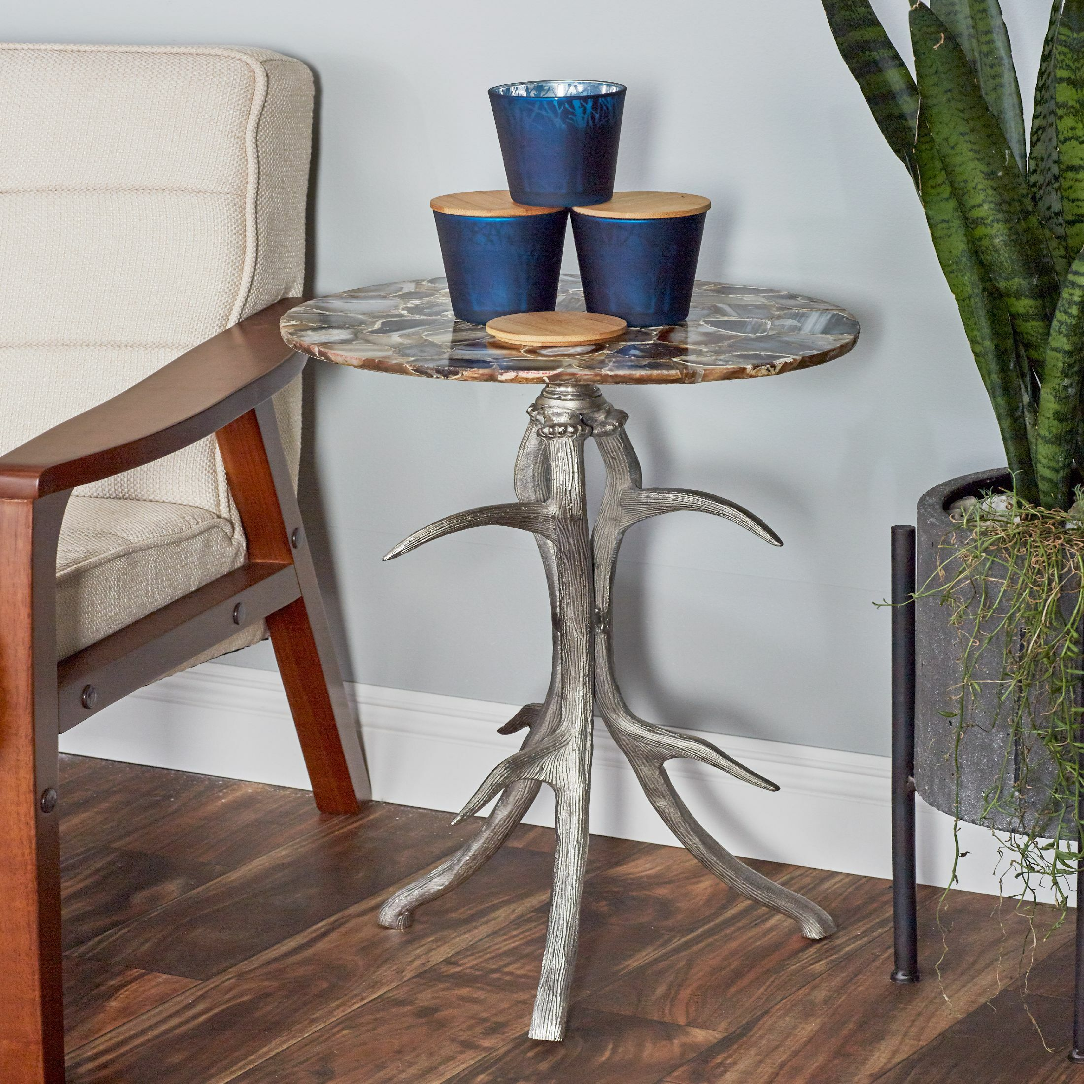 Avion Traditional Rounded Table with Antler Tripod Base