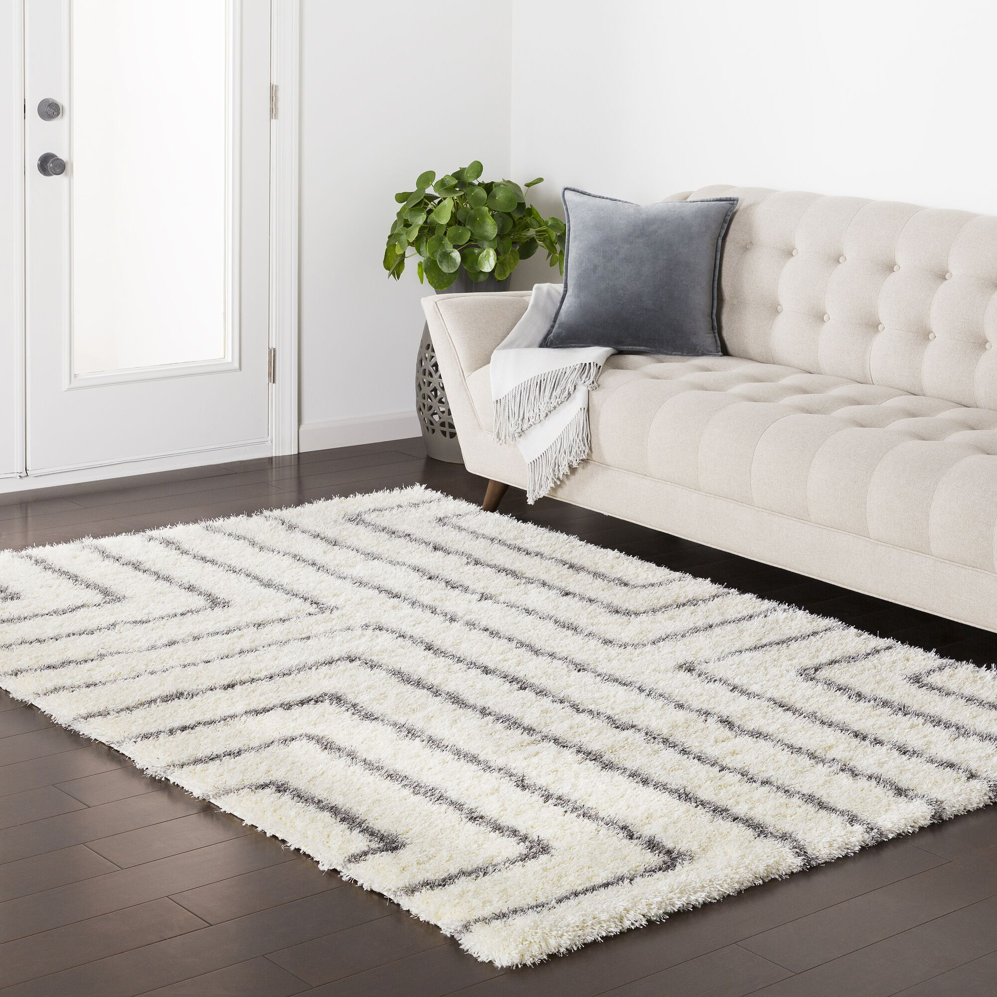 Red Hills Geometric Cream/Gray Area Rug Rug Size: 7'10