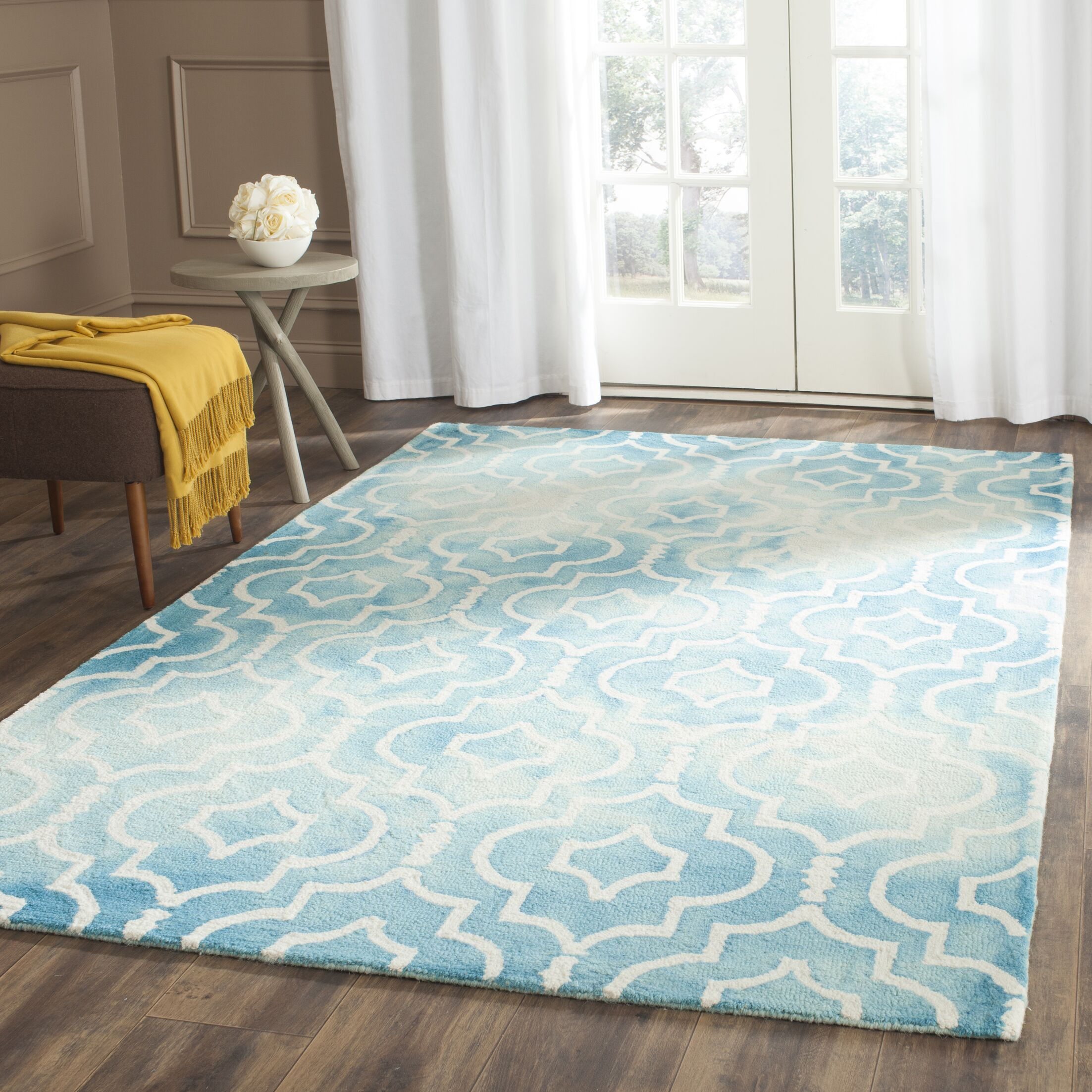 Hand-Tufted Turquoise/Ivory Area Rug Rug Size: Rectangle 3' x 5'