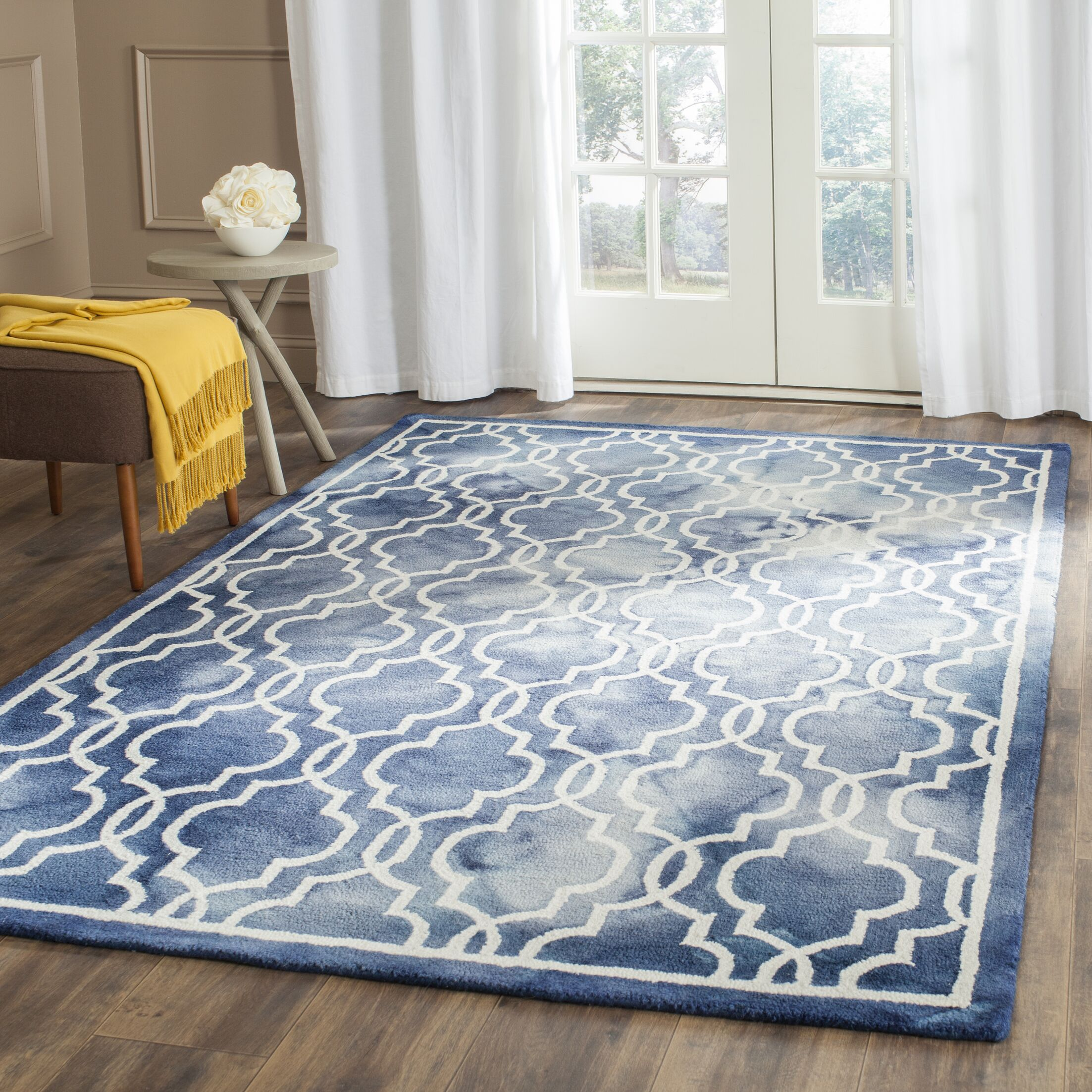 Aurellia Hand-Tufted Navy/Ivory Area Rug Rug Size: Rectangle 9' x 12'