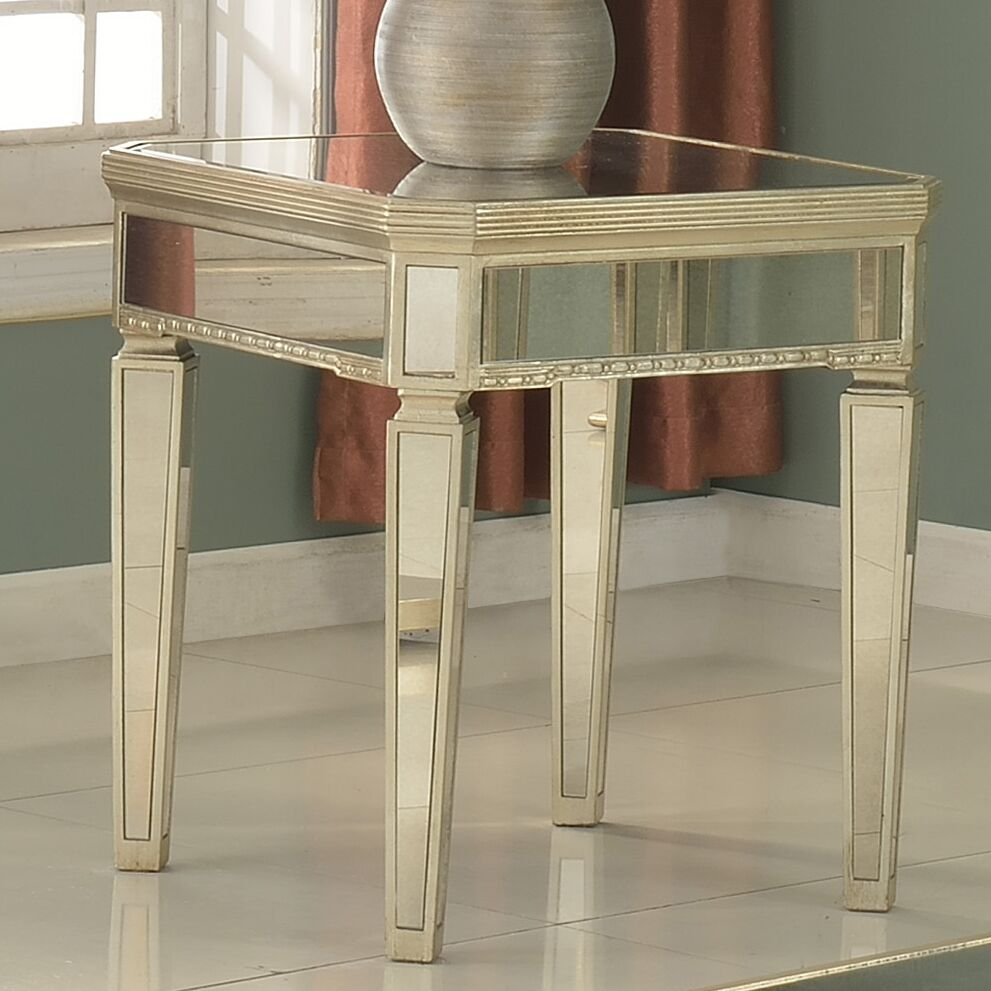 Felicia�End Table