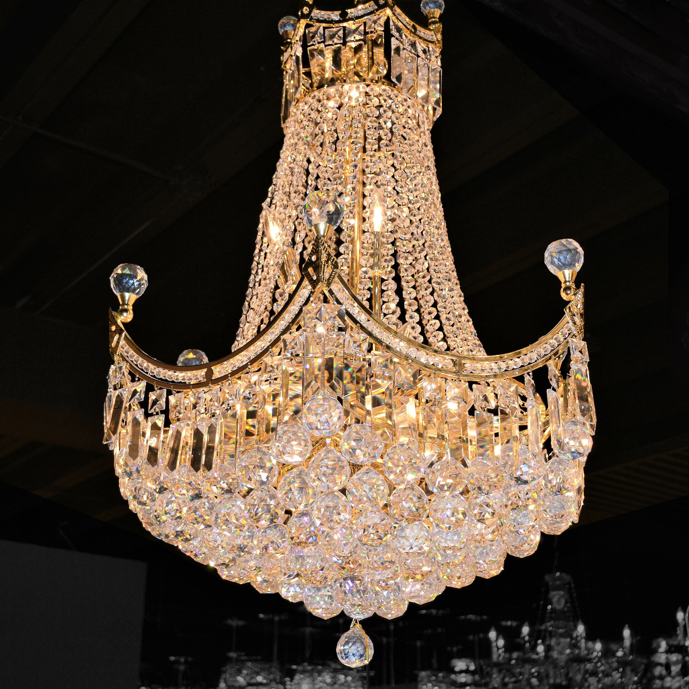Carson 18-Light Chandelier Finish: Gold