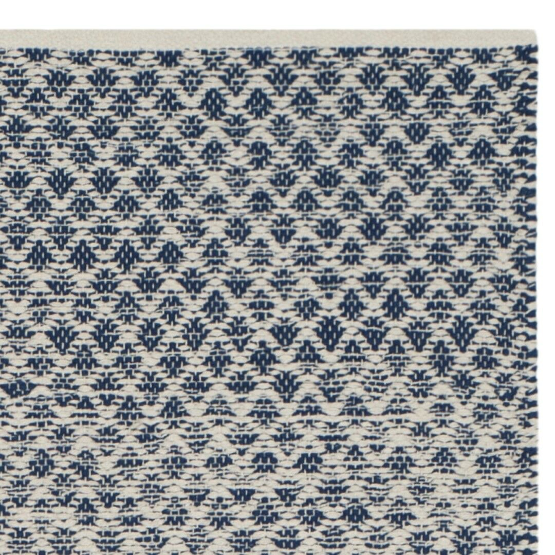 Saleem Hand-Woven Navy/Ivory Area Rug Rug Size: Rectangle 5' x 8'