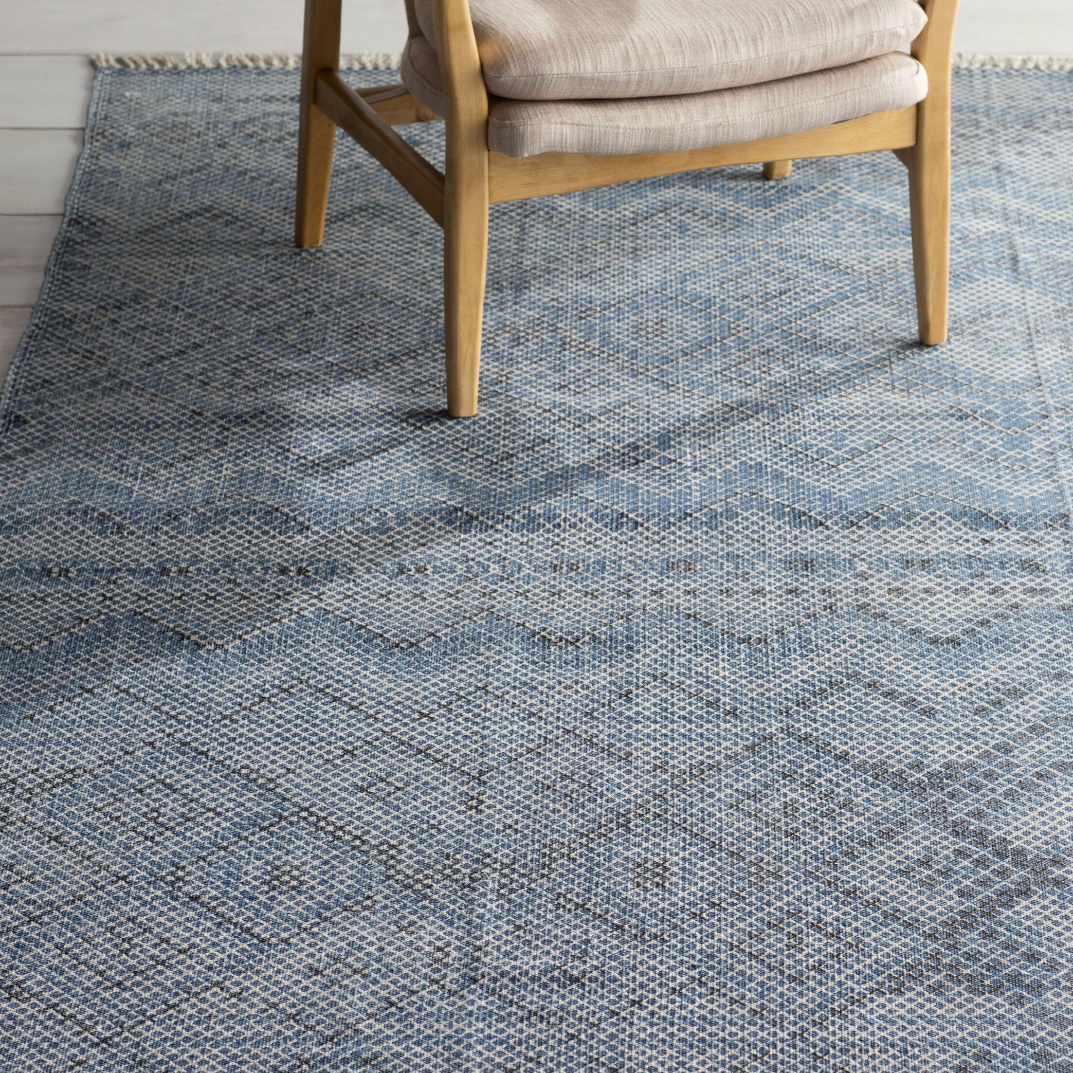 Winona Sky Blue/Navy Area Rug Rug Size: Rectangle 4' x 6'