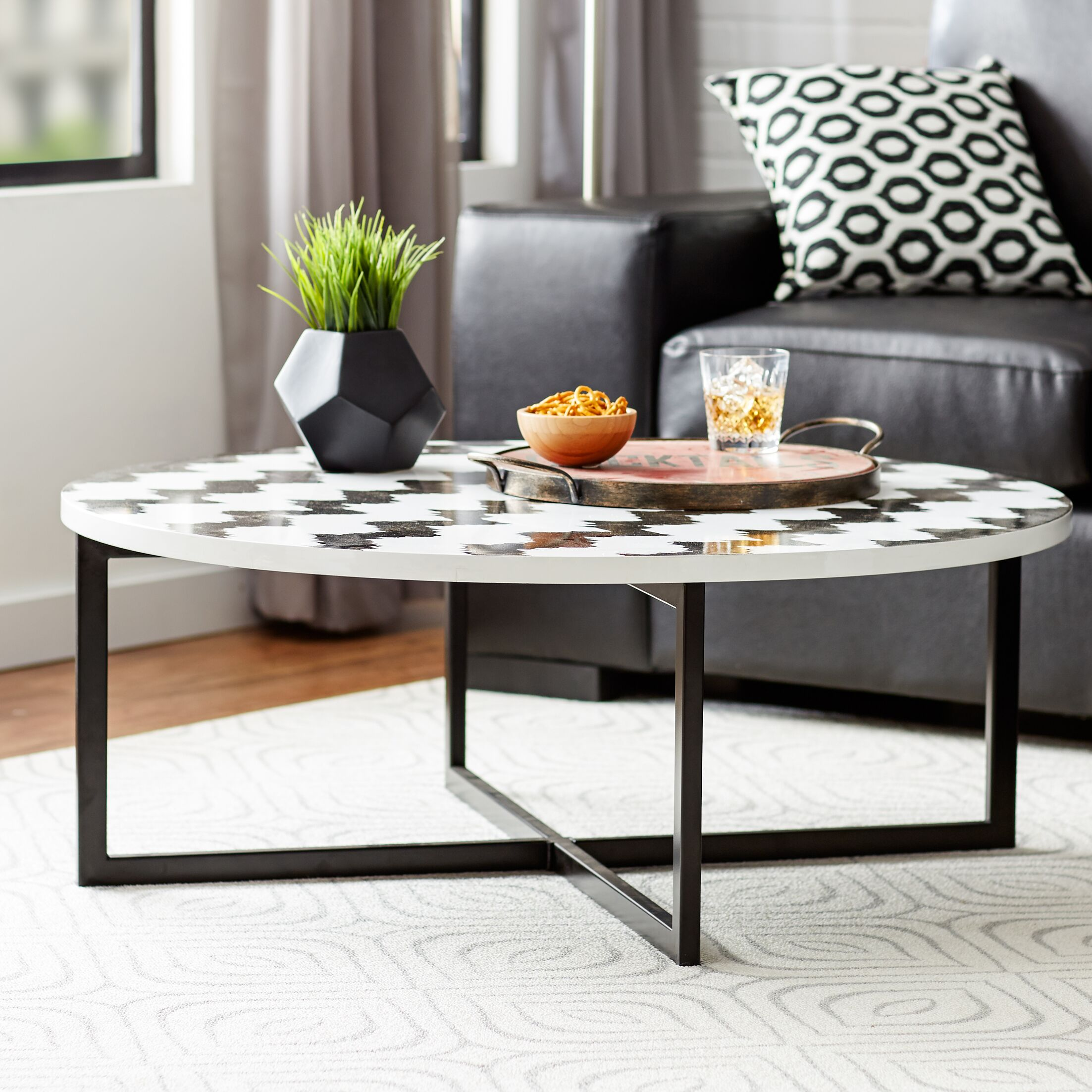 Vejle Coffee Table Color: Black / White