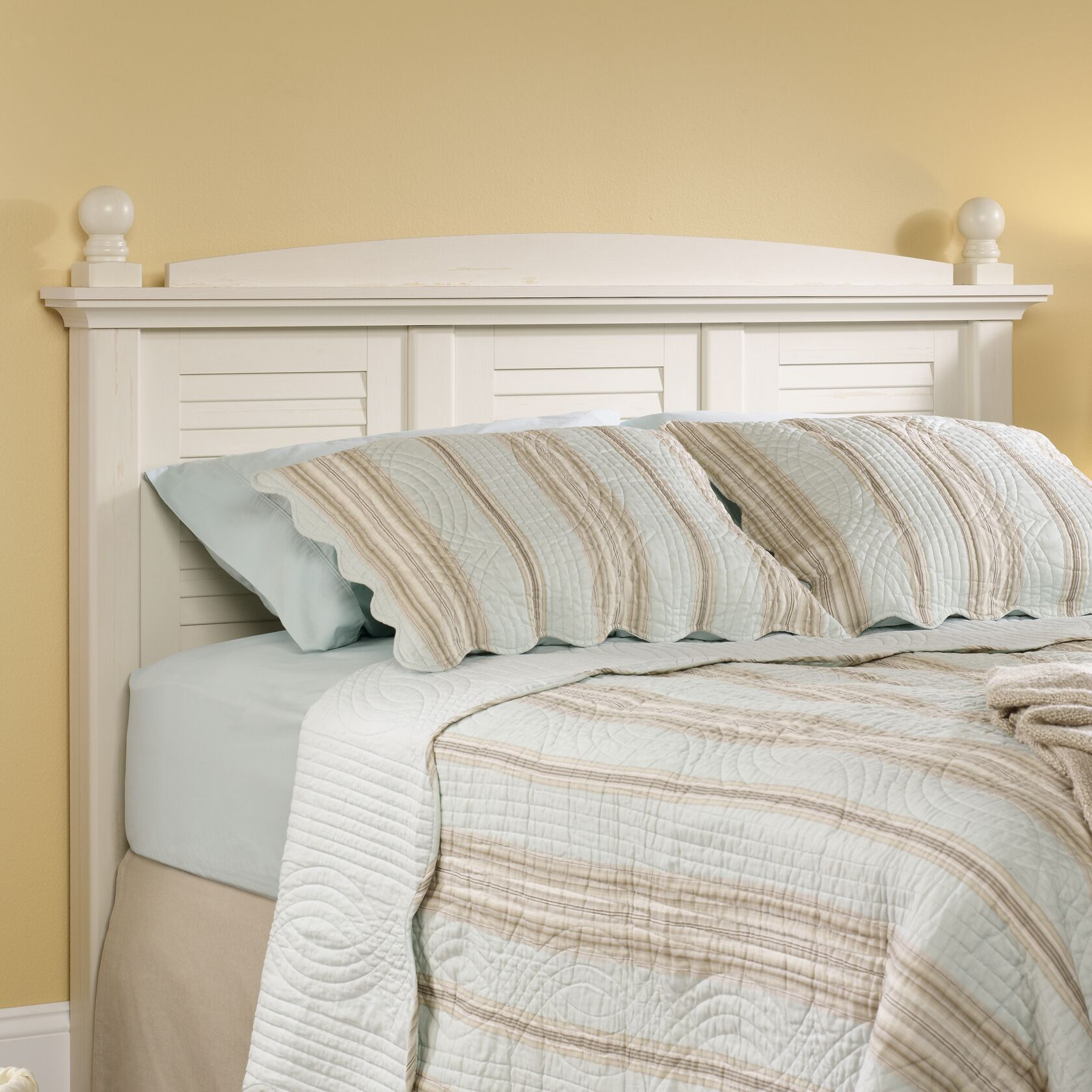 Pinellas Panel Headboard Color: Antiqued White, Size: Full/Queen