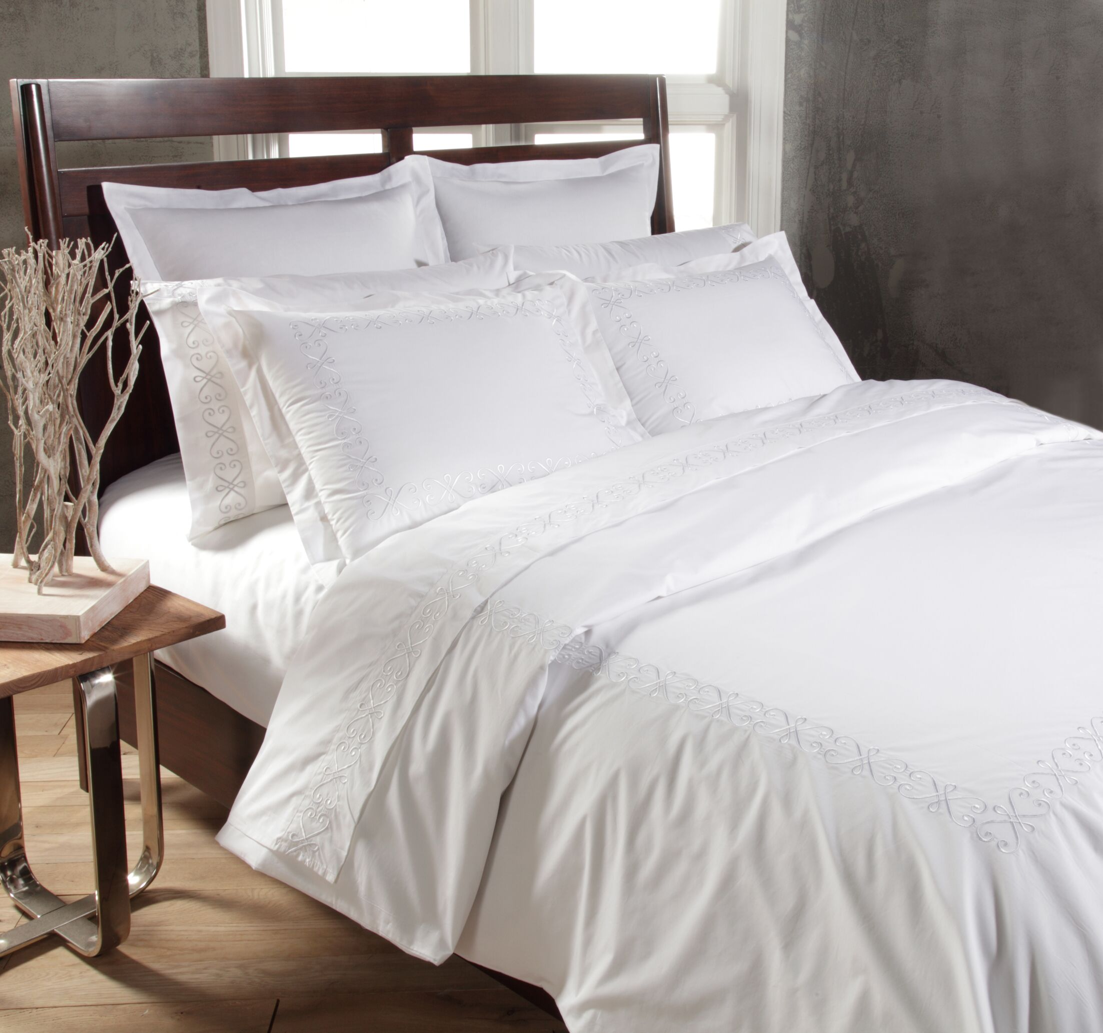Swirl Sheet Set Size: Queen, Color: White