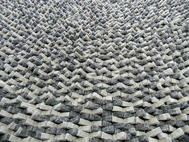 Cobblestone Coal Silver Area Rug Rug Size: Round 6'