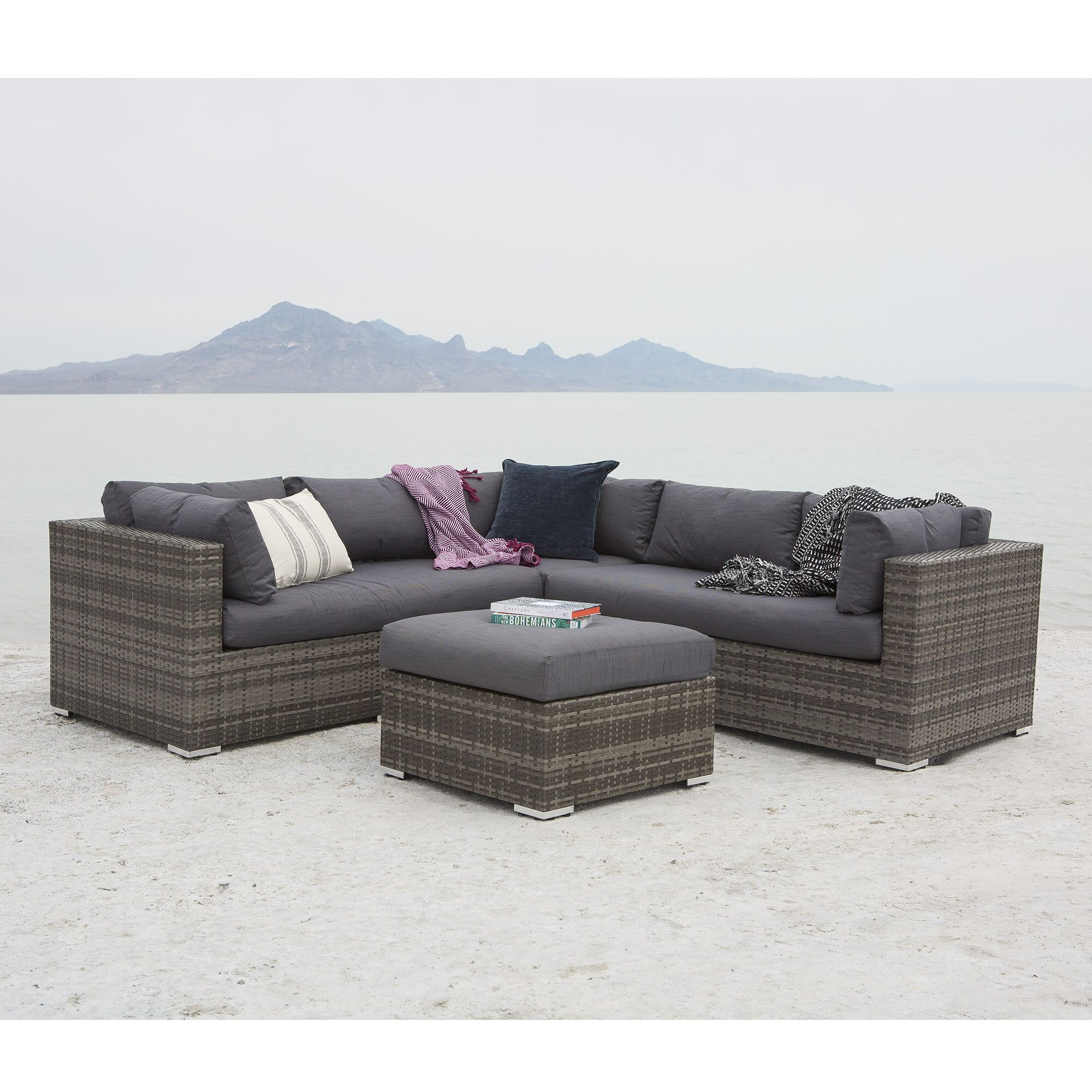 Verde 4 Piece Sectional Set with Cushions