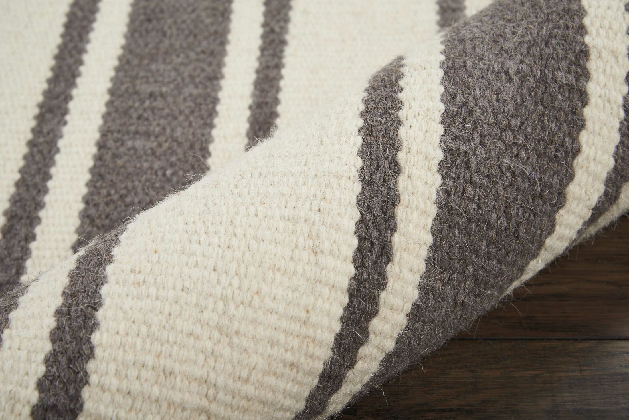 Baird Hand-Woven Ivory/Gray Area Rug Rug Size: Rectangle 5' x 7'6