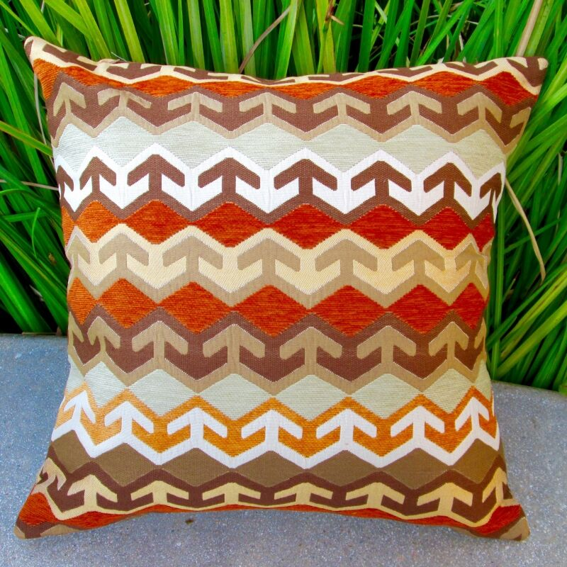 Geometric Arrow in Southwestern Country Cabin Indoor Cotton Throw Pillow Color: Brown